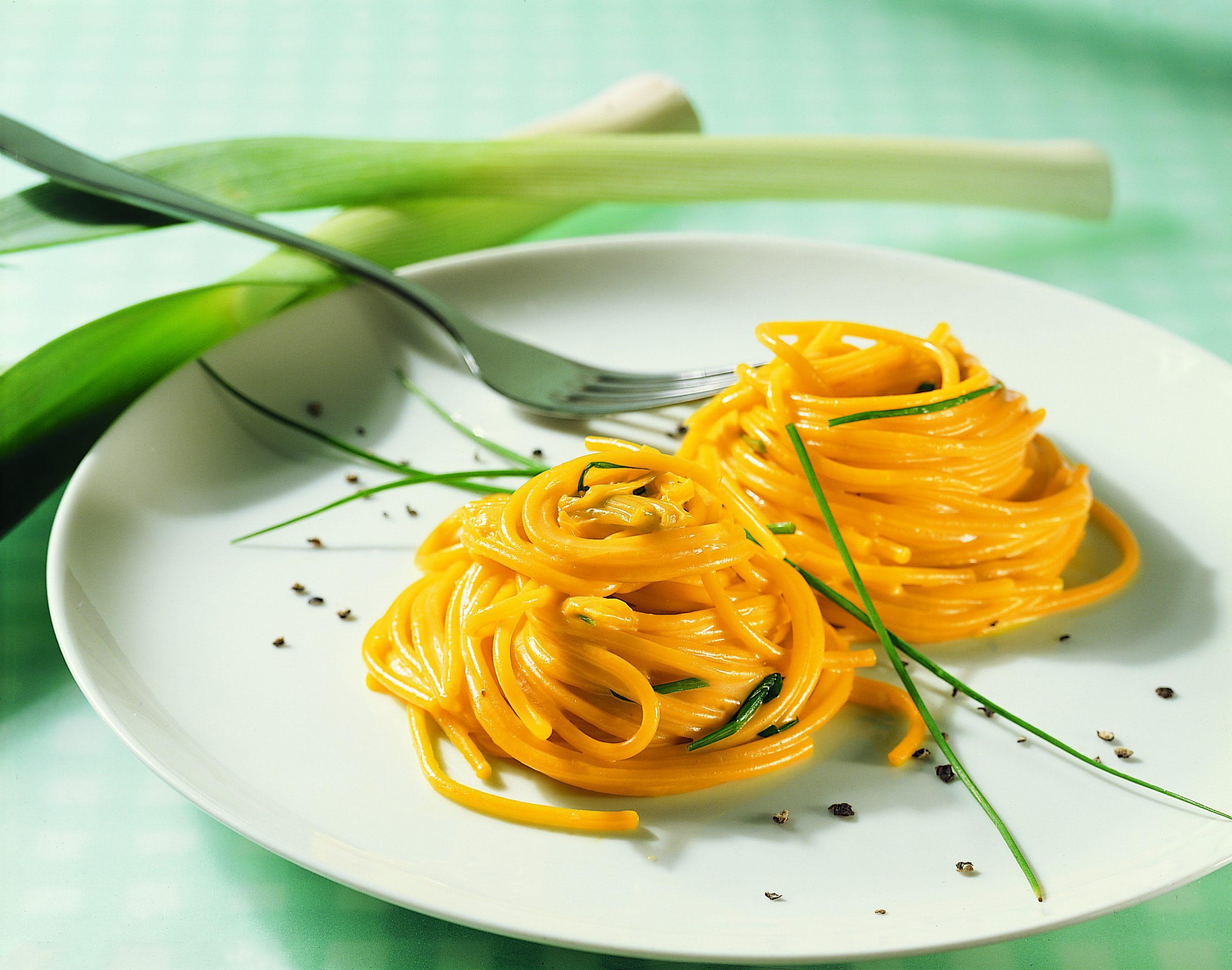 Spaghettis au poireau parfumés au safran