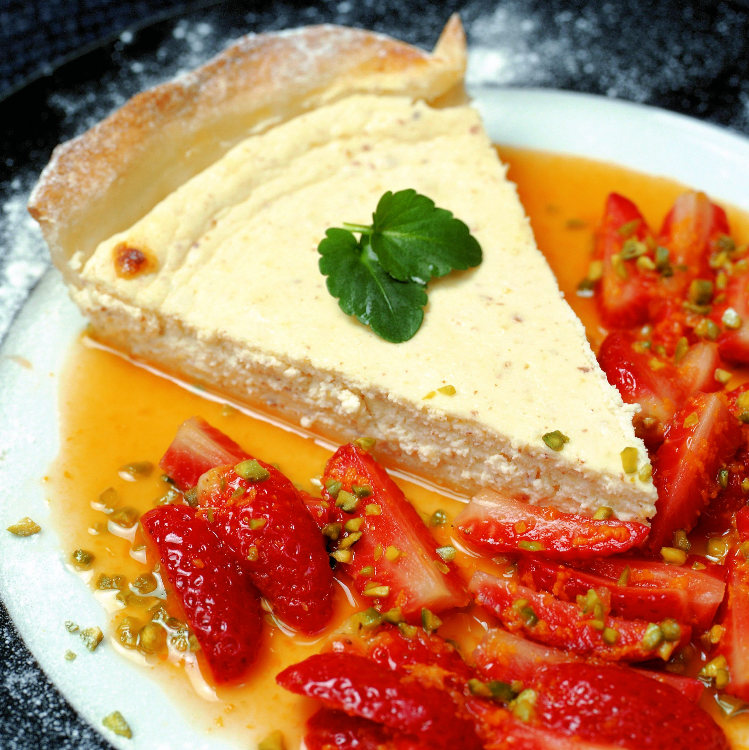 Tarte au séré tiède garnie de fraises