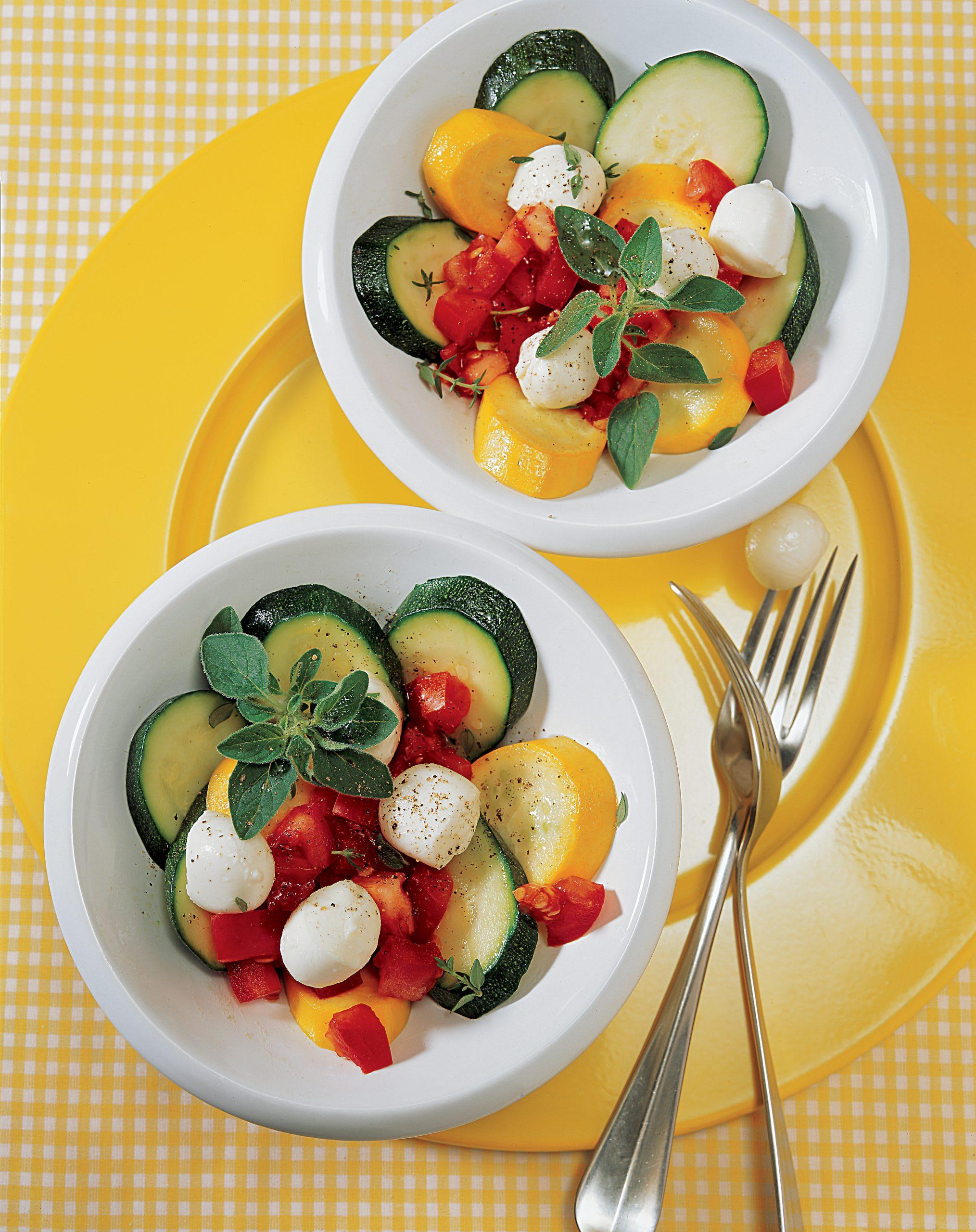 Lauwarmer Zucchinisalat (Low Carb)