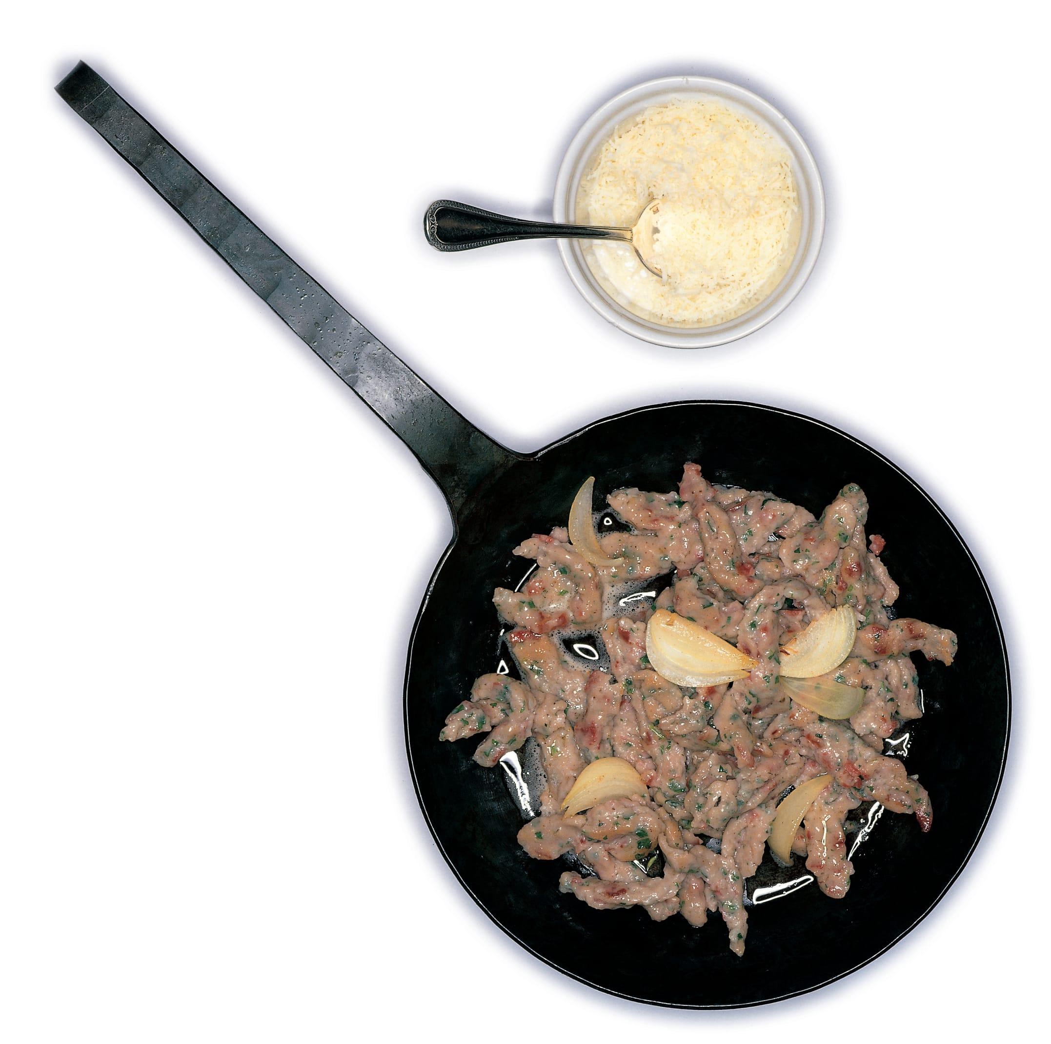 Lebkuchenspätzli mit Salsiz und Bündnerfleisch
