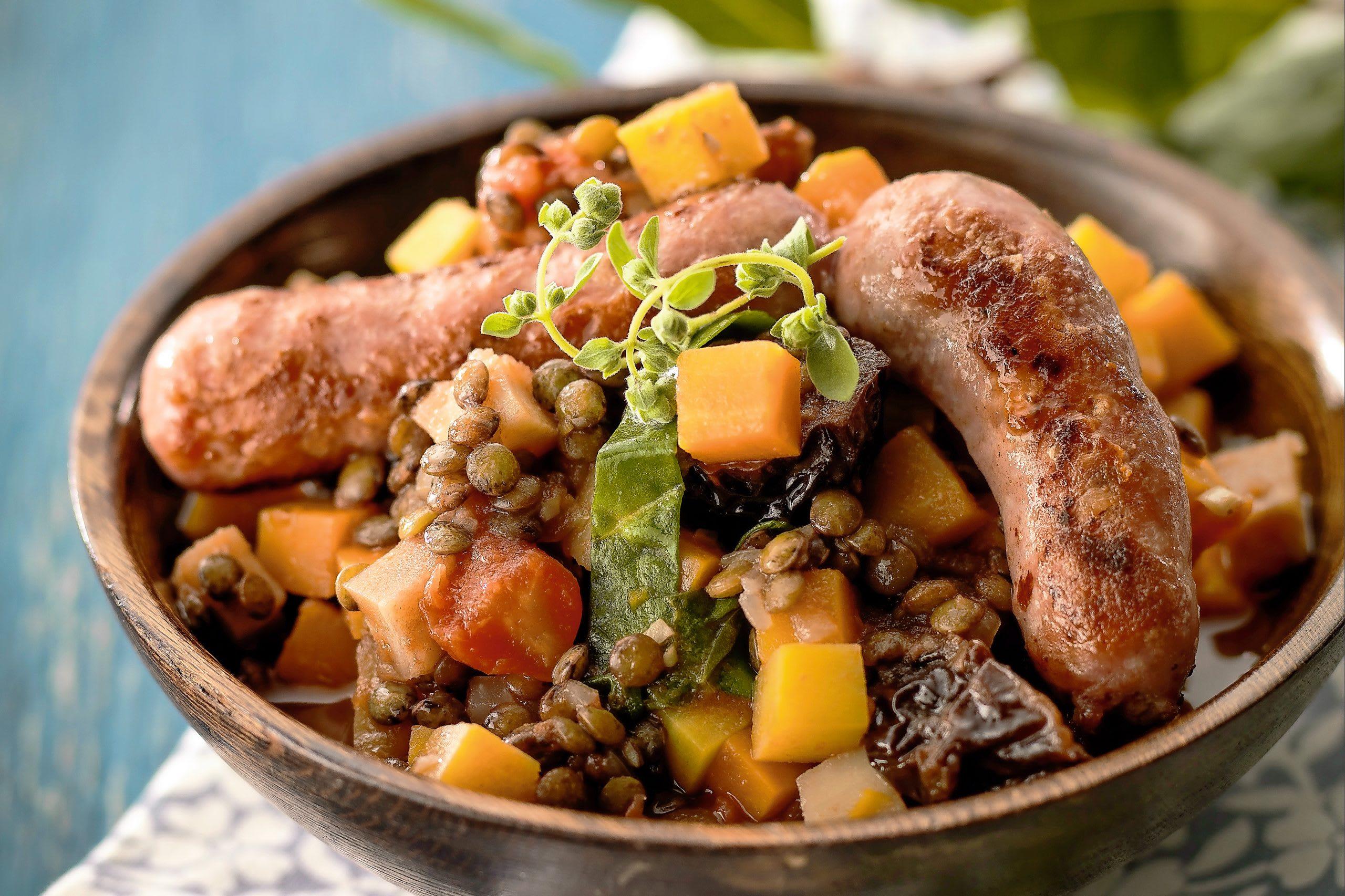 Ragoût de lentilles, légumes et saucisse