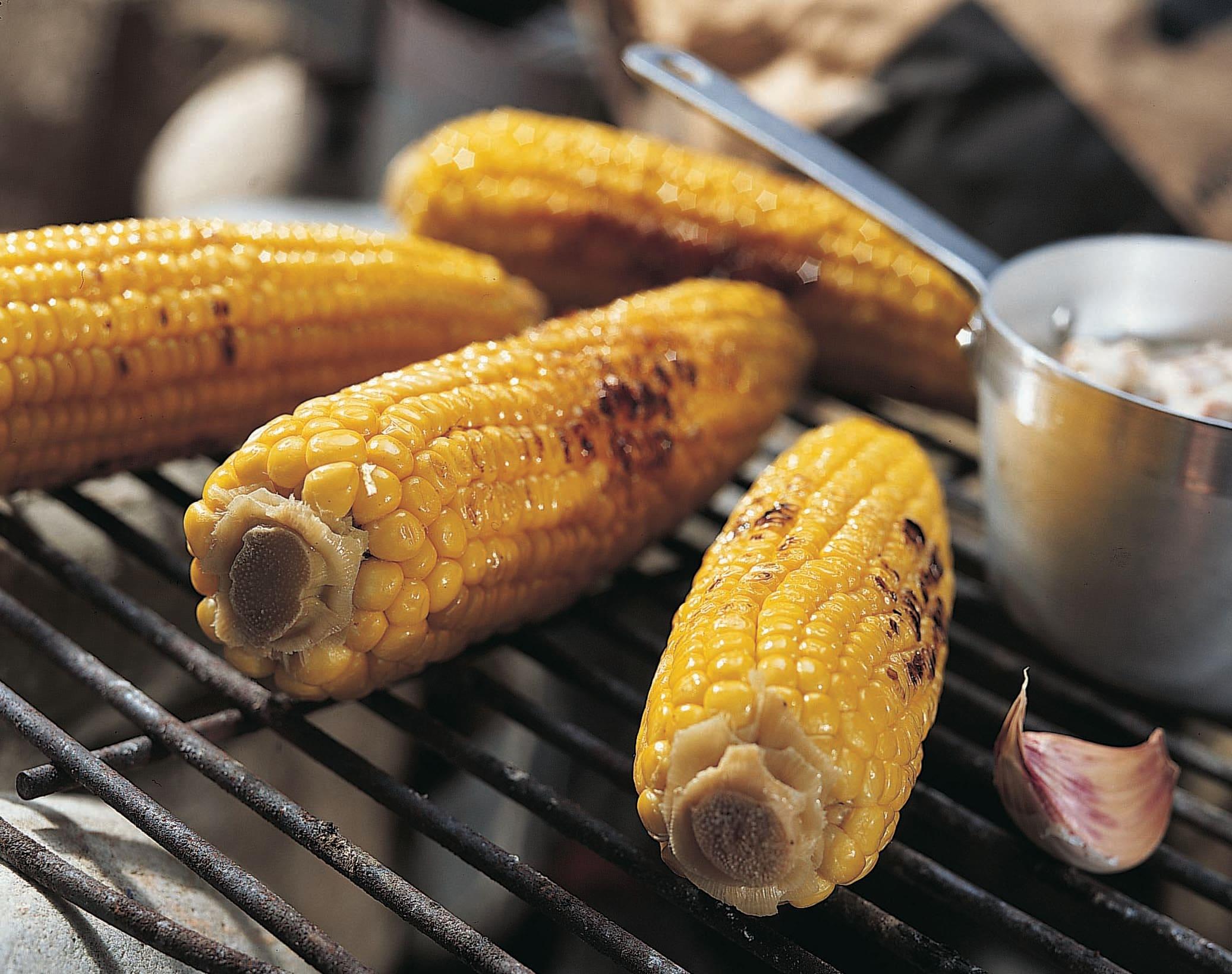 Maïs au barbecue et sauce aux lardons