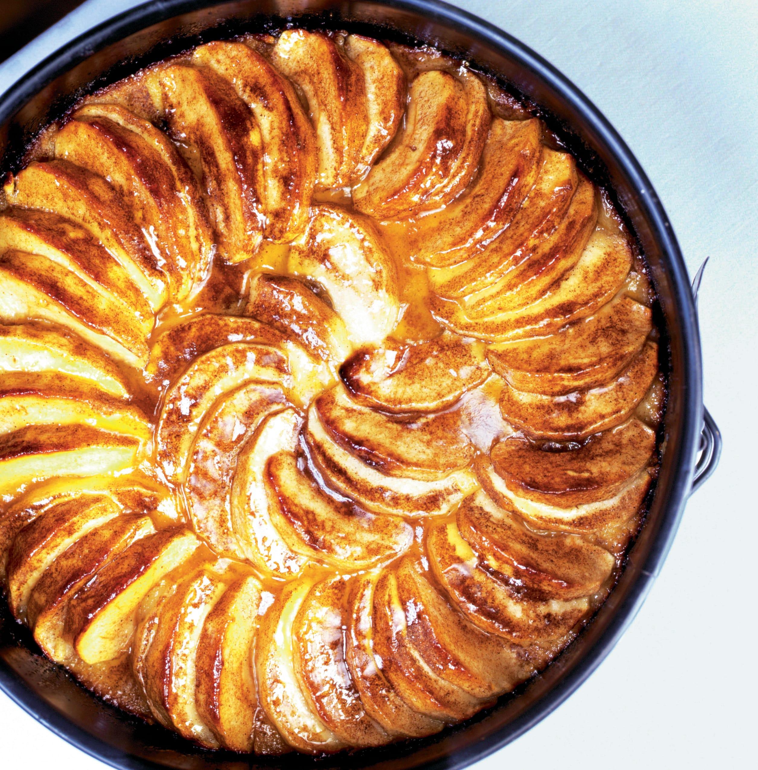 Maiskuchen mit Äpfeln und Rosinen (Tarte de maïs aux pommes et raisins)