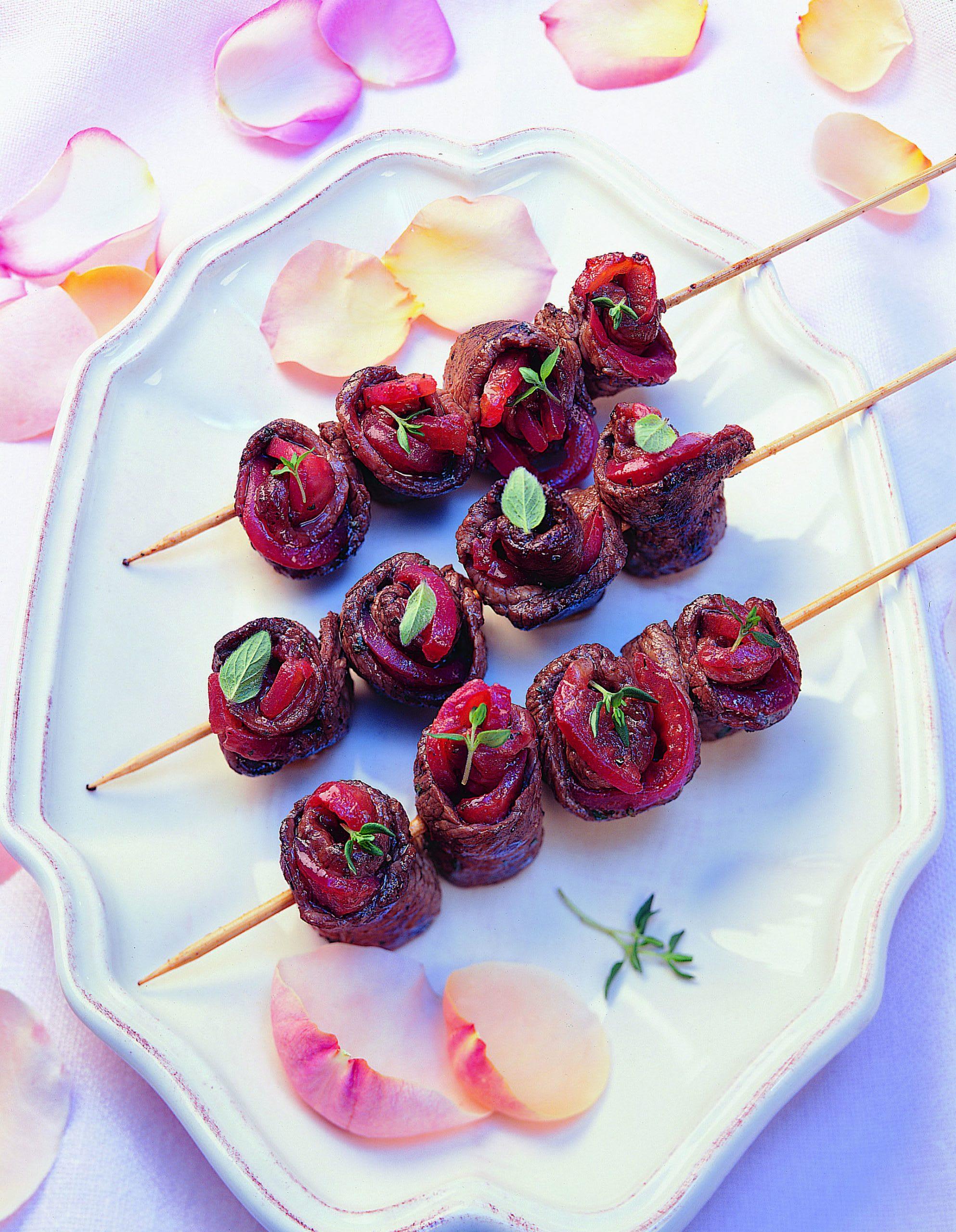 Marinierte Fleisch-Tomaten-Röschen vom Grill