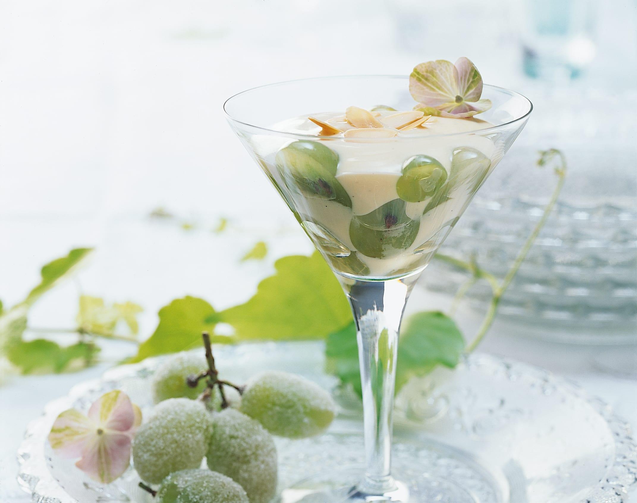 Marinierte Trauben mit Mandelcrème