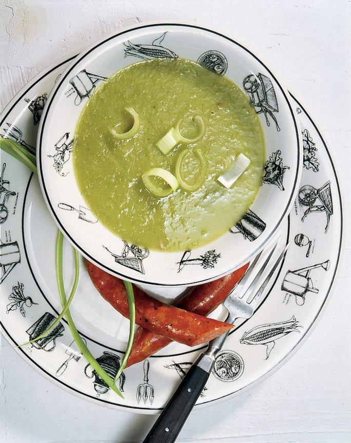 Marroni-Lauchcrèmesuppe mit Würstchen