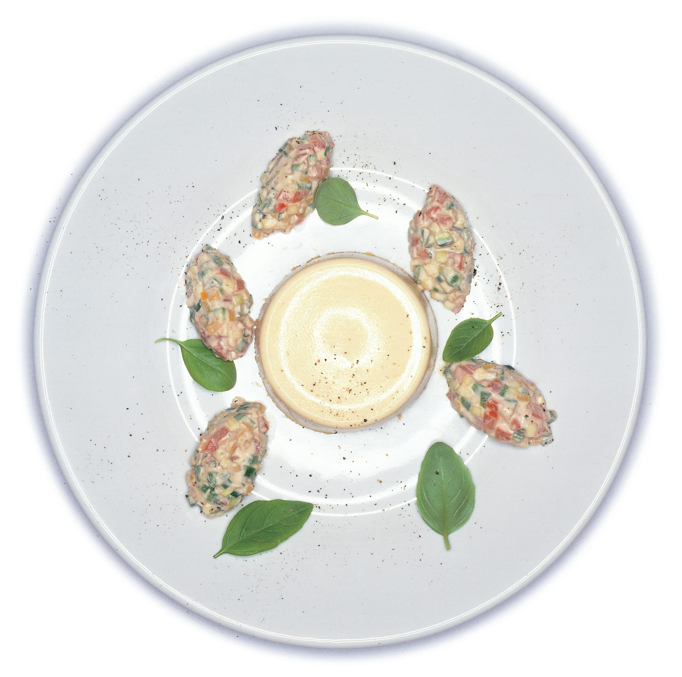 Flans de mascarpone au tartare de légumes d'été