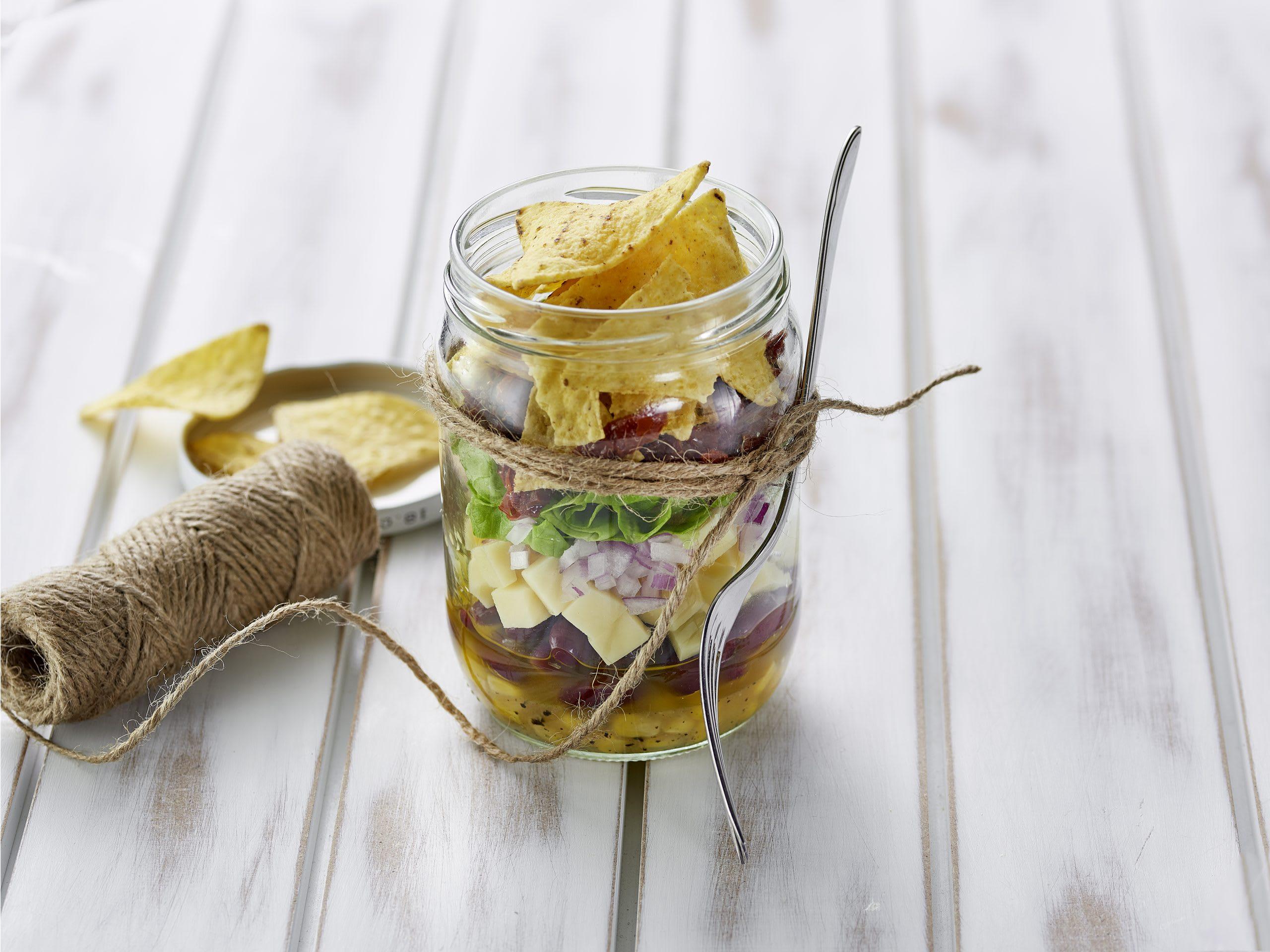 Mexikanischer Salat im Glas