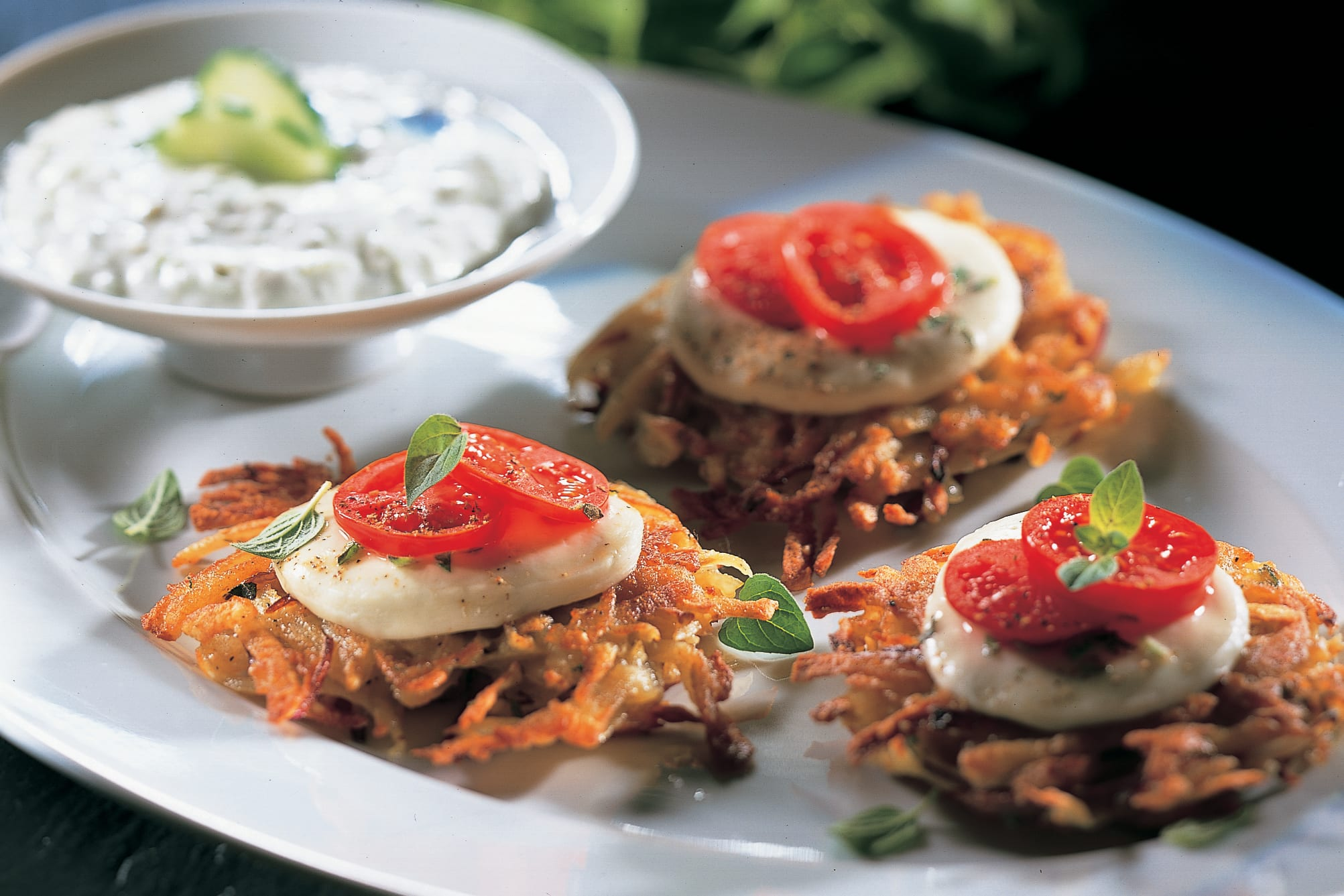 Mozzarella-Kartoffel-Tätschli mit Knoblauchquark