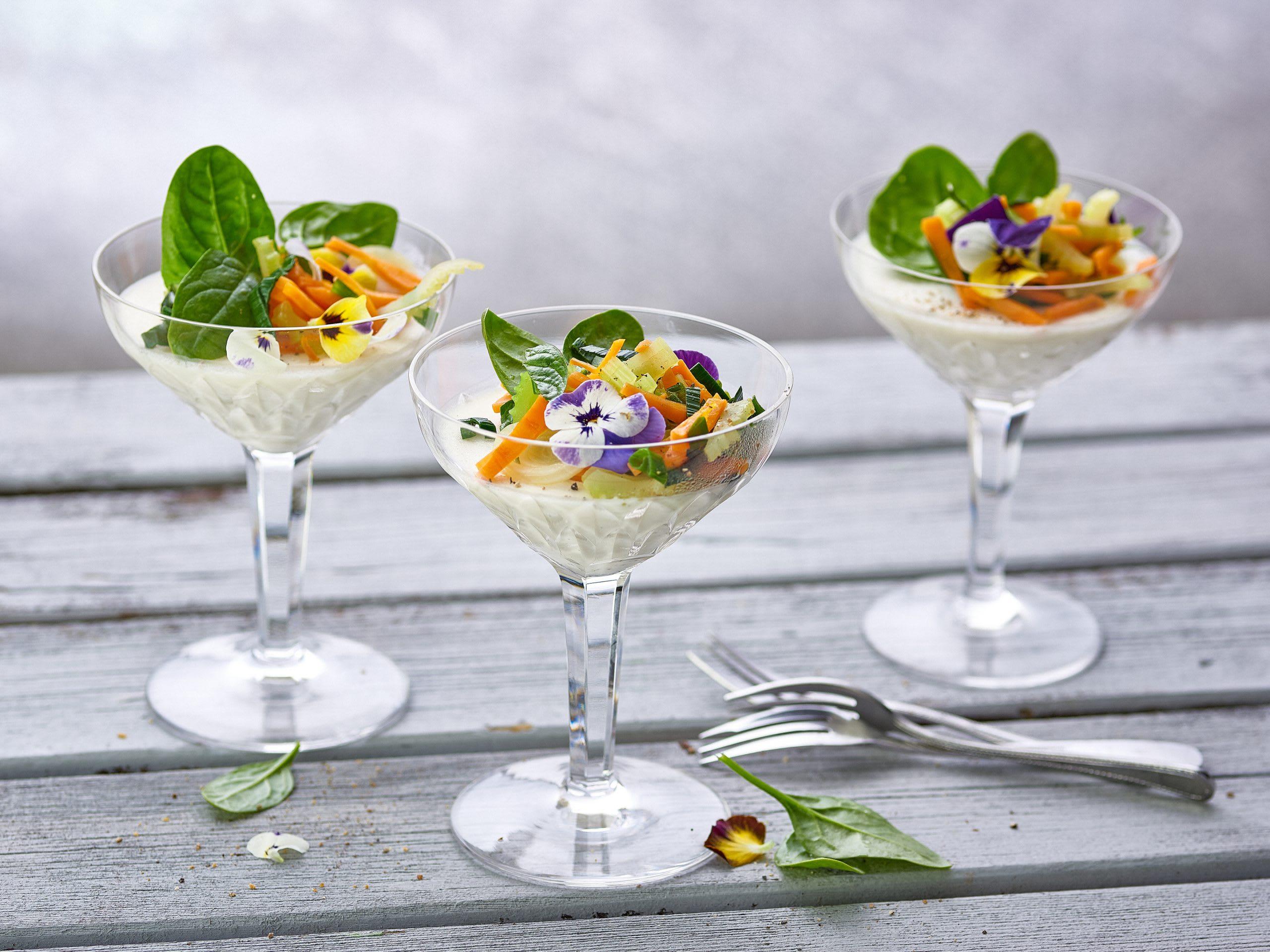 Panna cotta à la mozzarella et salade de légumes