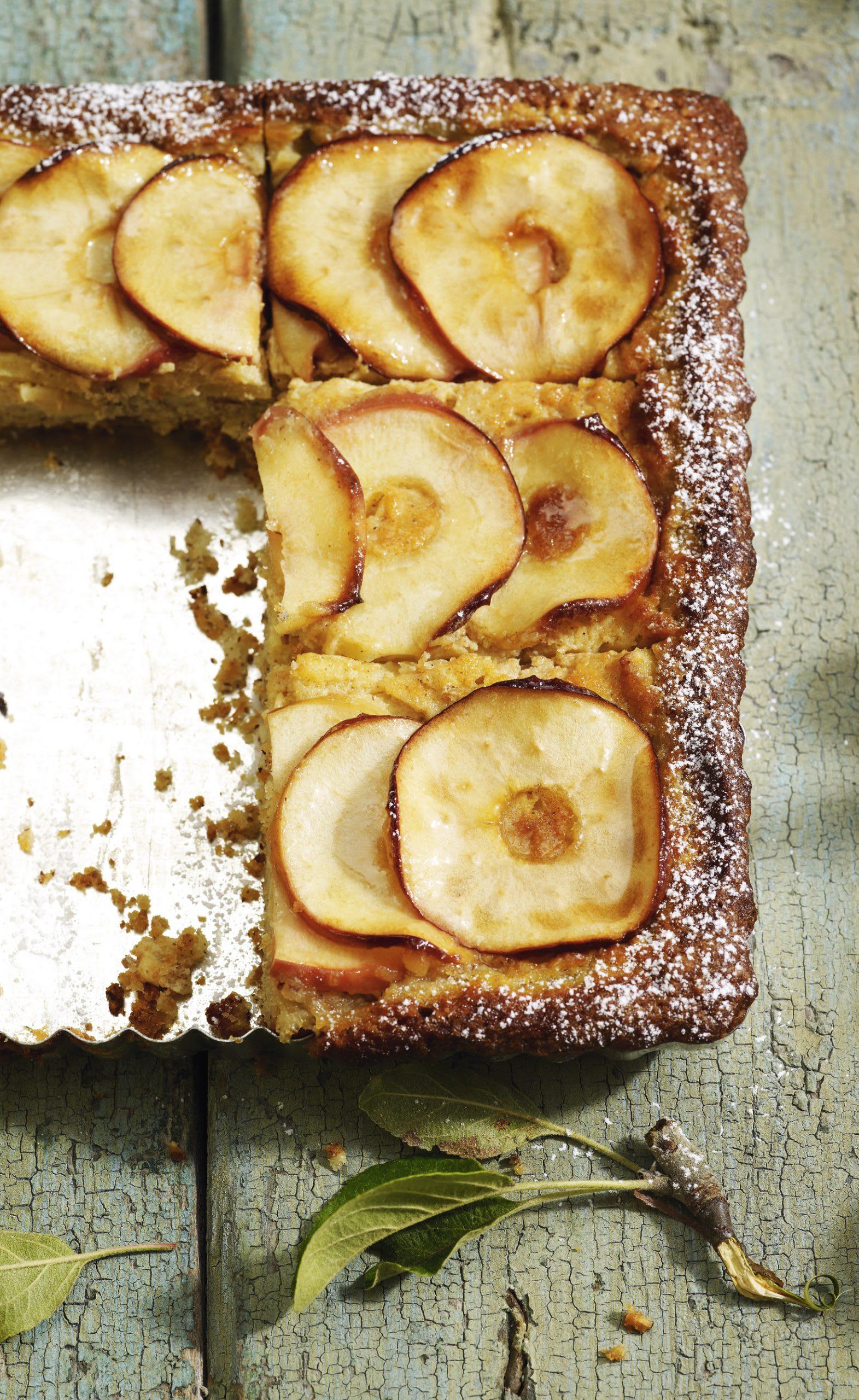Nuss-Apfelblechkuchen