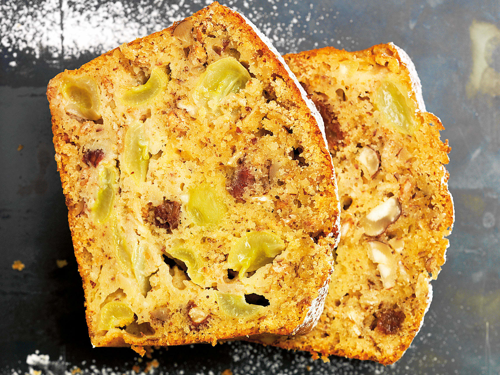 Cake au babeurre, aux noisettes et aux céréales