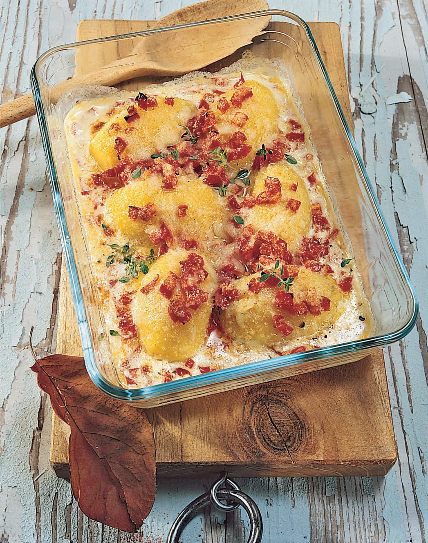 Pommes de terre au four gratinées et poivrons