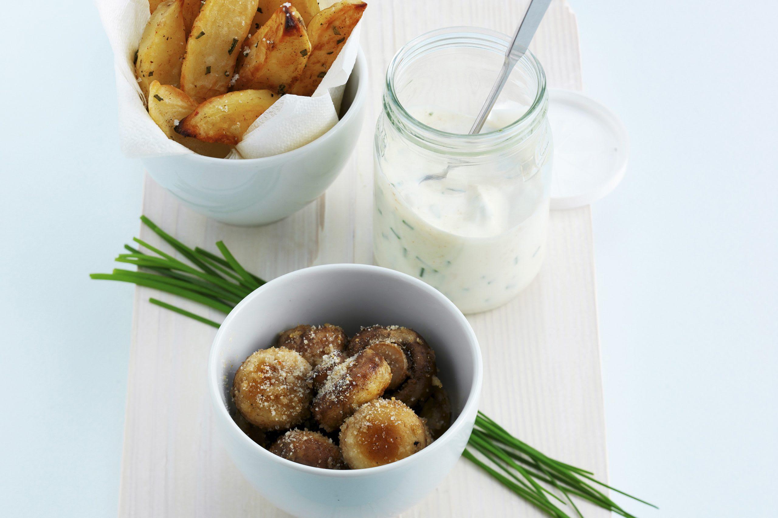 Pommes de terre au four, champignons et séré aux herbes
