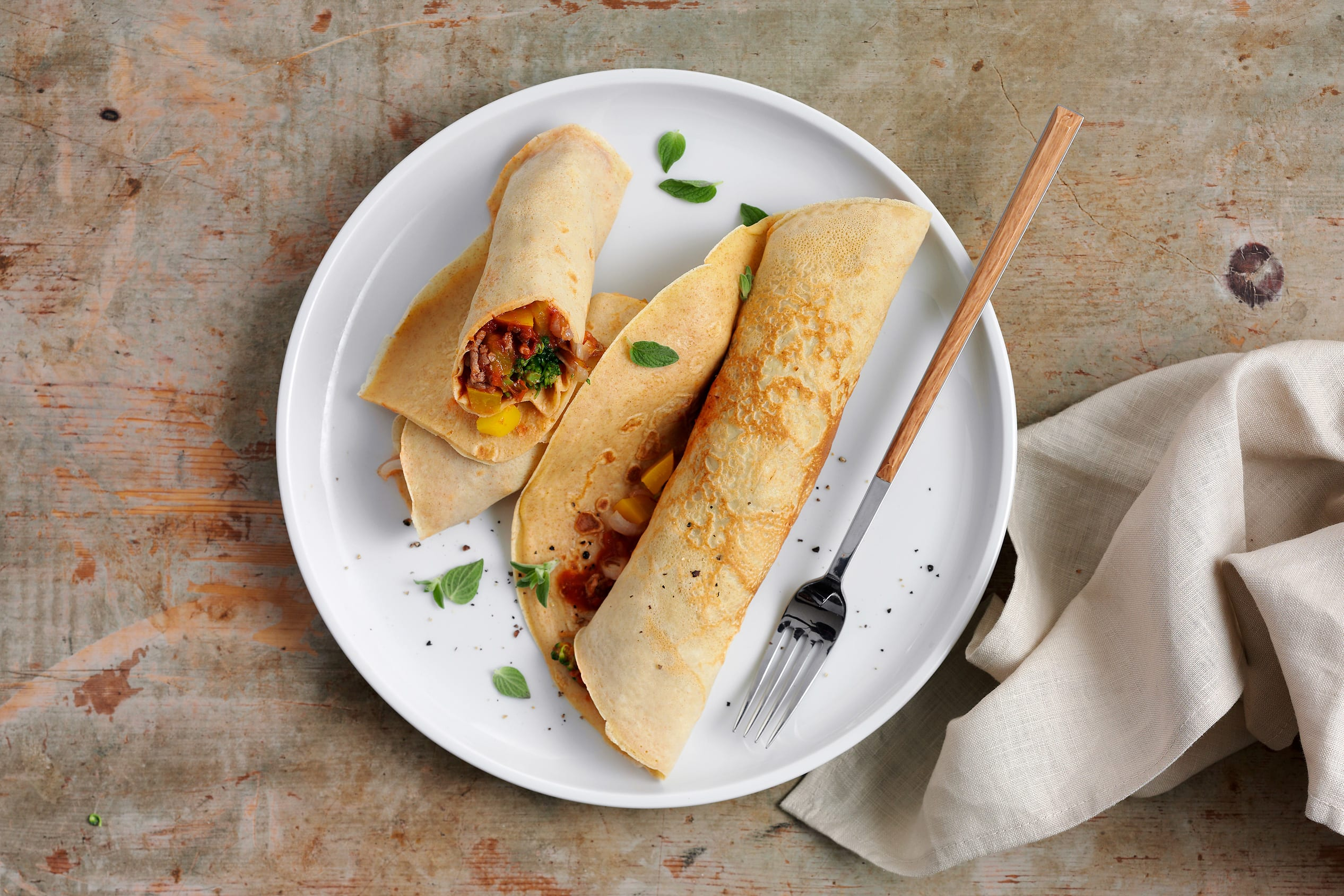 Omeletten mit Gemüse-Hackfleisch-Füllung (Low Carb)
