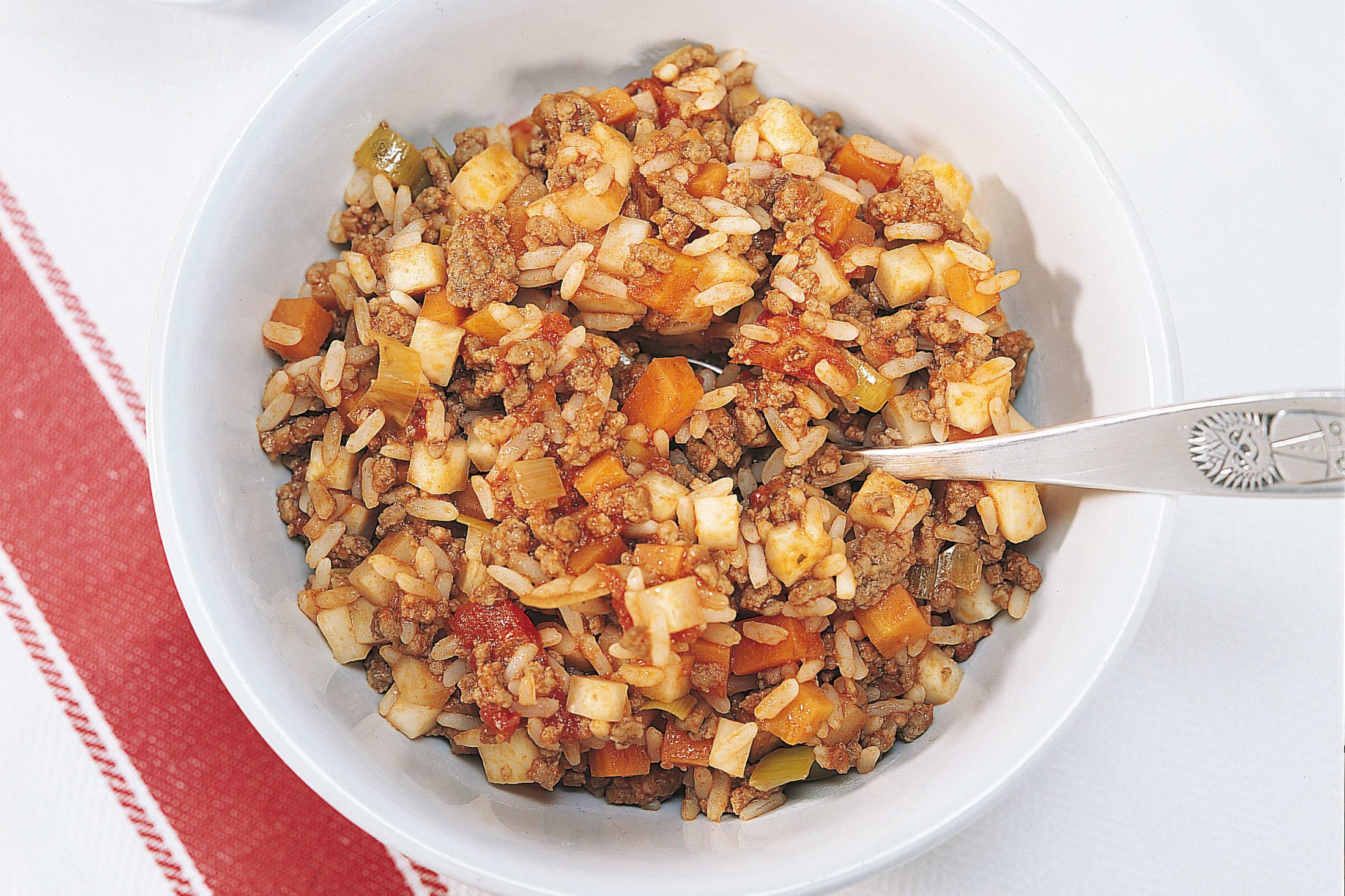 One pot de viande hachée, riz et légumes