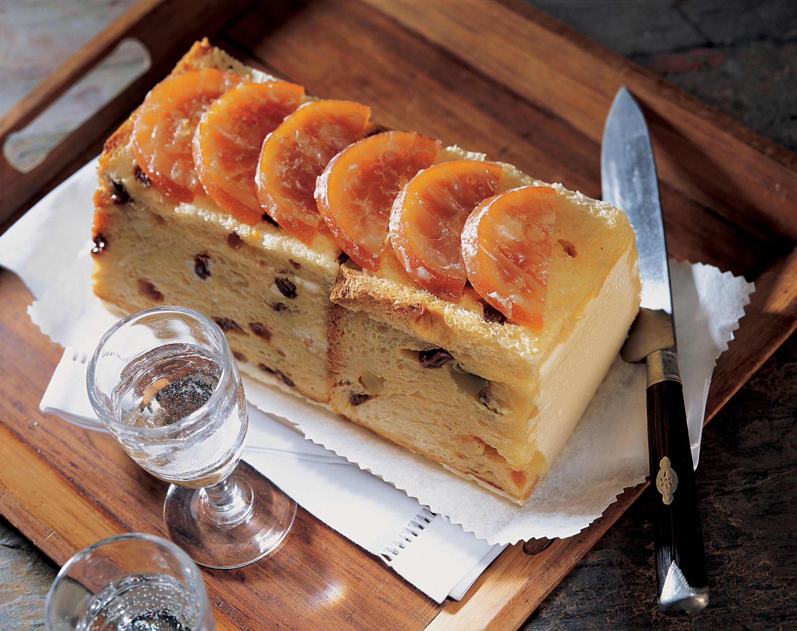 No-Bake Panettone-Cake