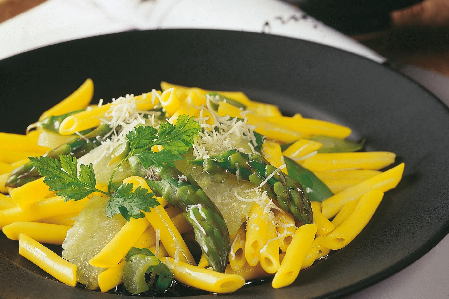 Pasta mit Kohlrabi und Spargel