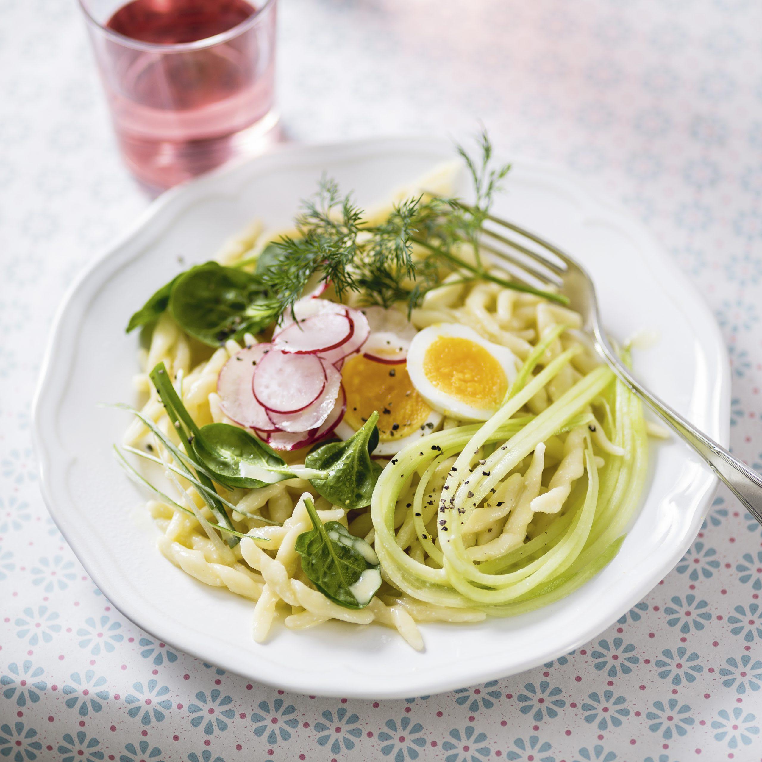 Salade de pâtes et de concombre