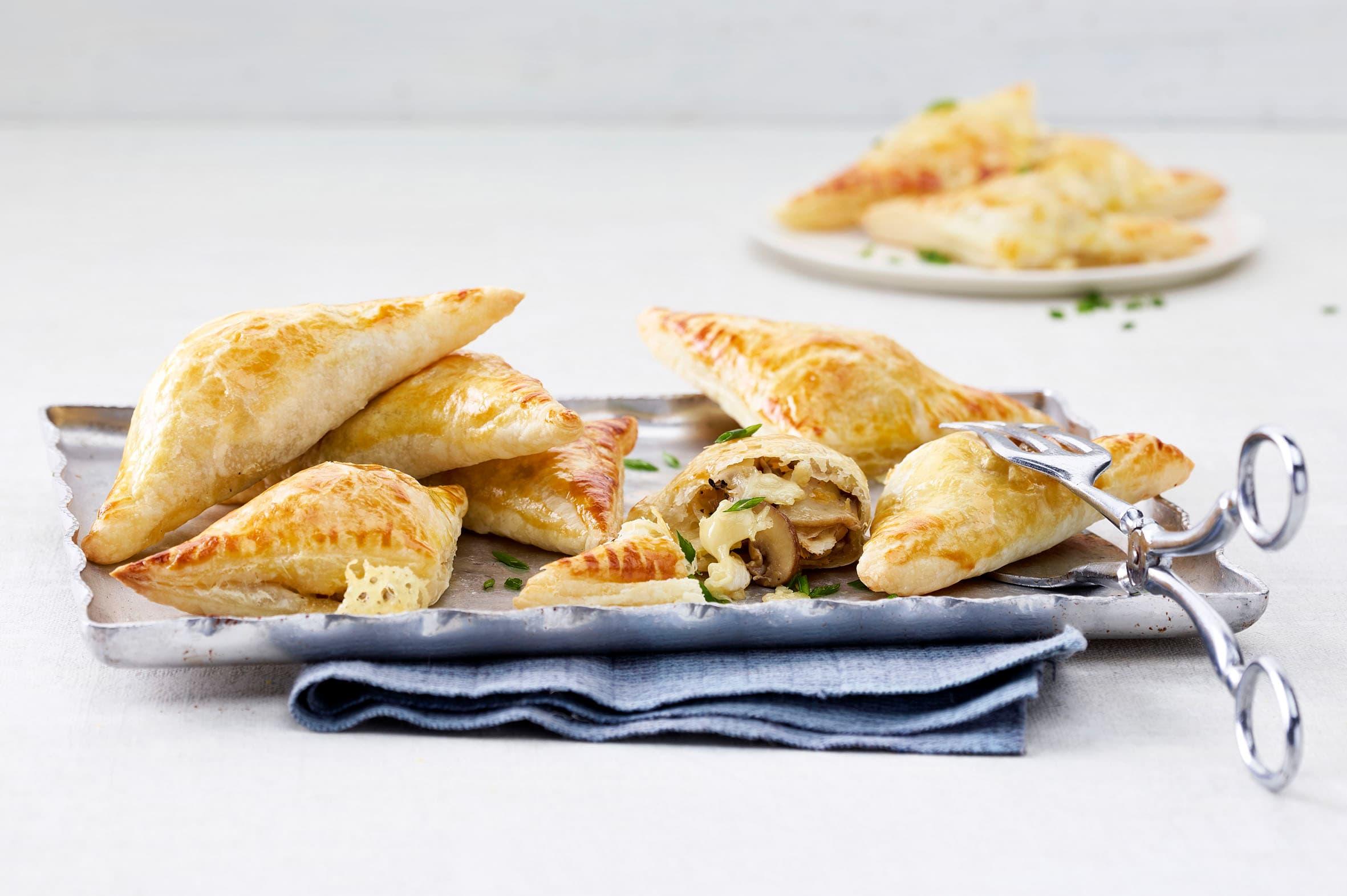 Piroggen mit Pilz-Käse-Füllung