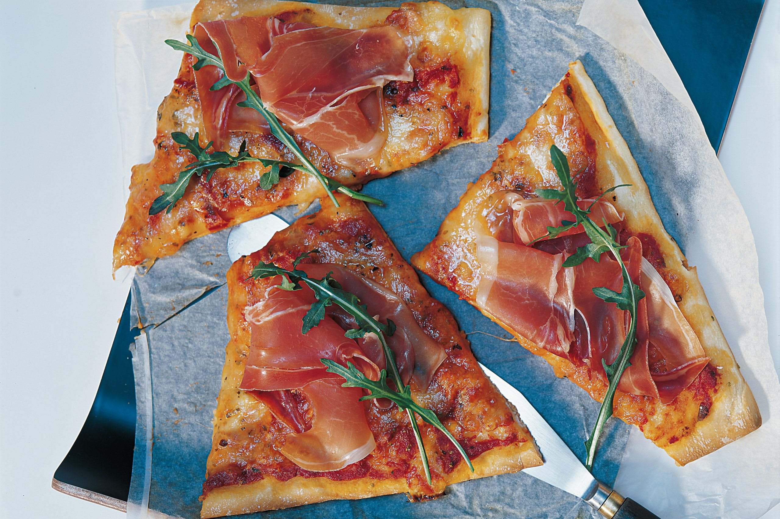 Pizza proscuitto mit Rucola