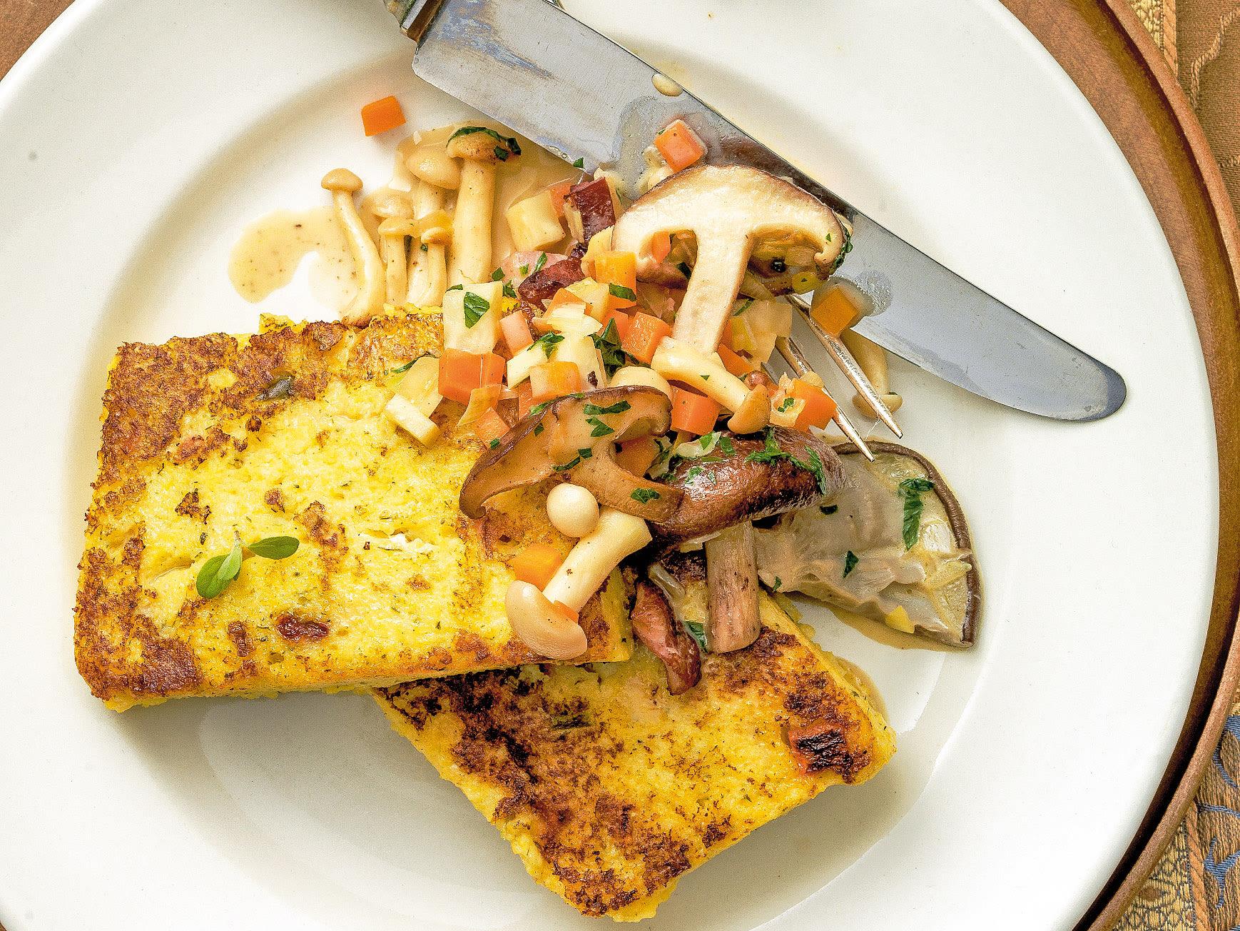 Polenta-Schnitten mit Pilzen