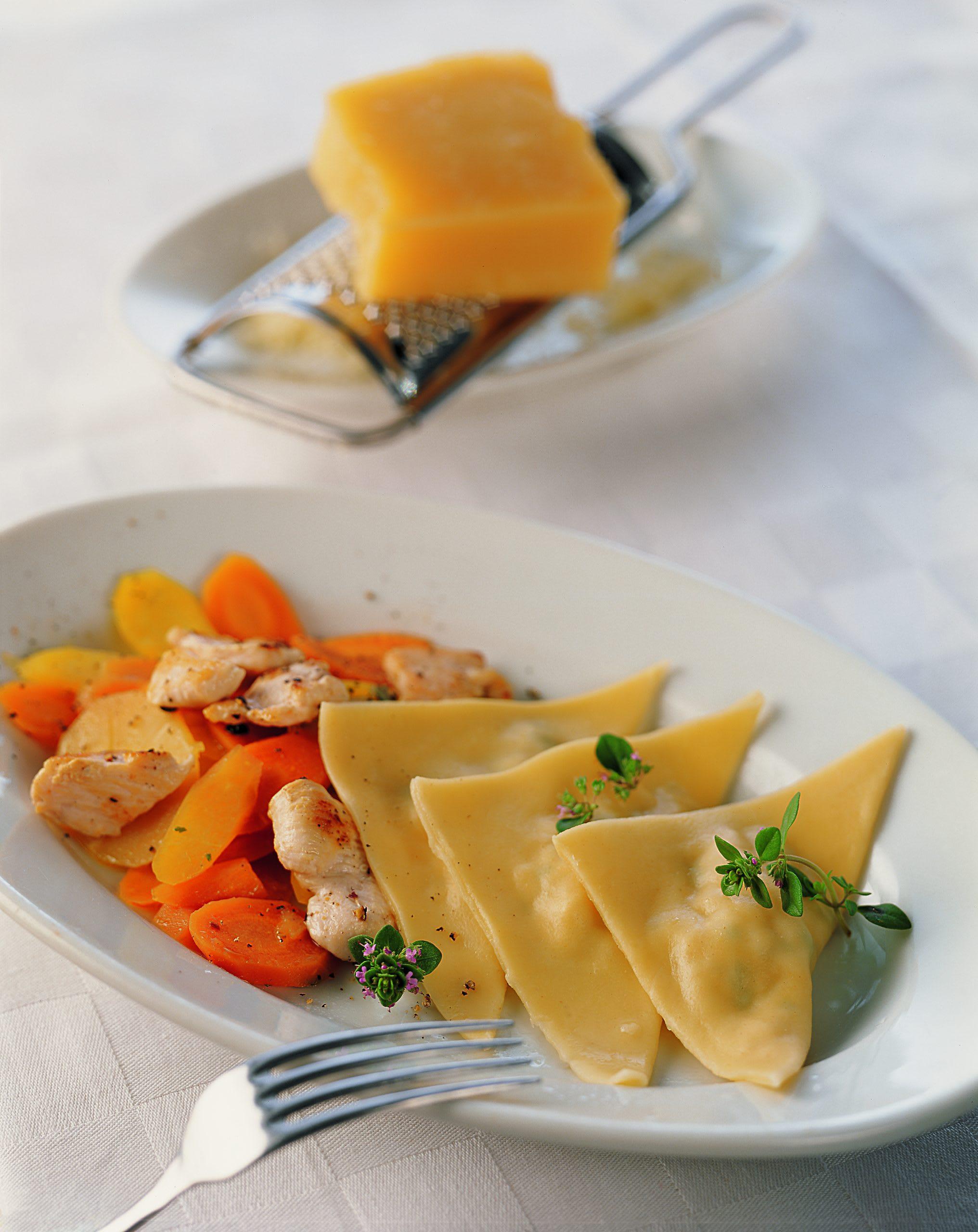 Poulet-Triangoli auf Gemüsebeet