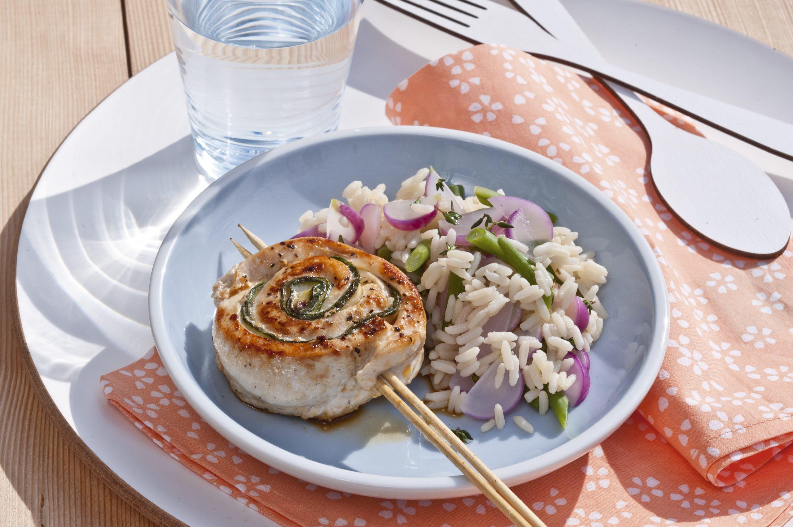 Sucettes de poulet aux courgettes et riz aux légumes