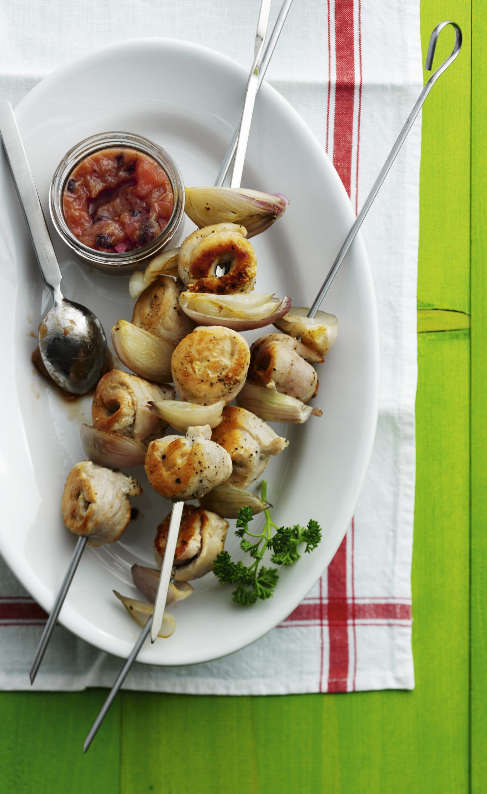 Brochettes de poulet et chutney de rhubarbe