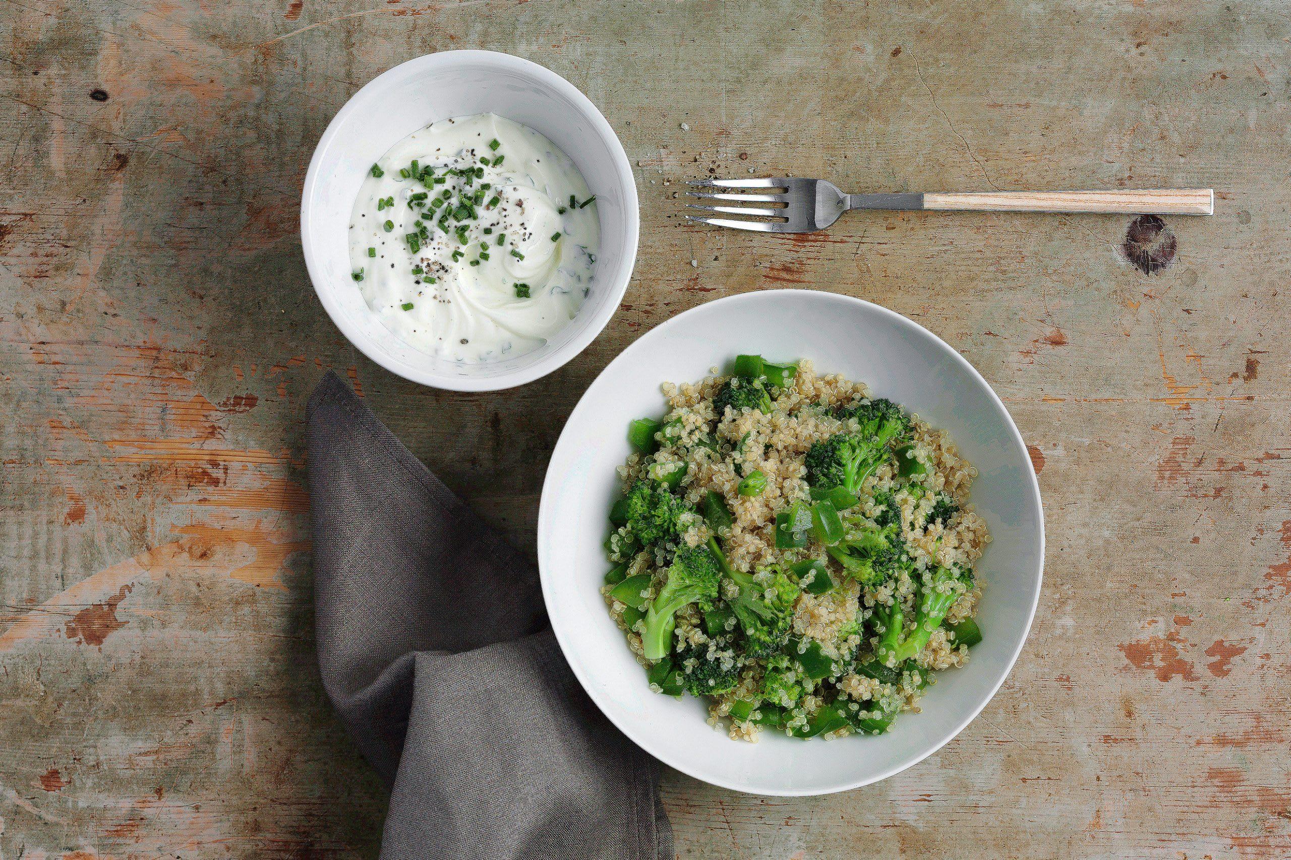 Salade de quinoa aux légumes et séré aux fines herbes (low carb)