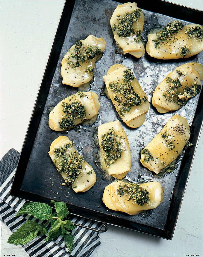 Raclette-Kartoffeln mit Pfefferminzpesto