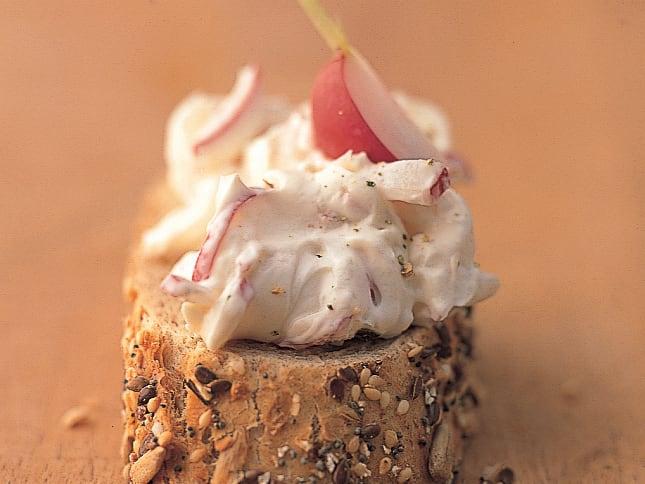 Radieschen-Frischkäse-Brotaufstrich
