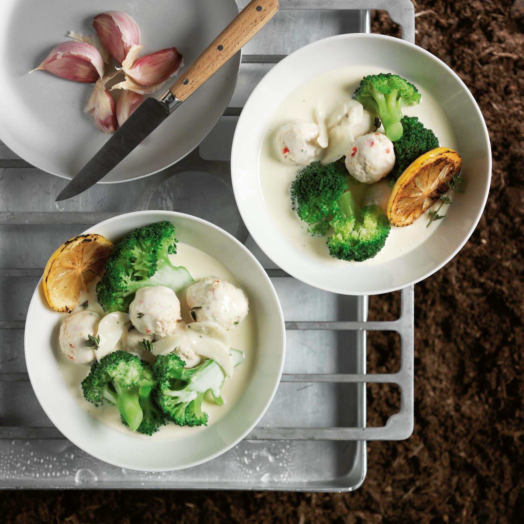 Rahm-Broccoli mit Pouletbällchen
