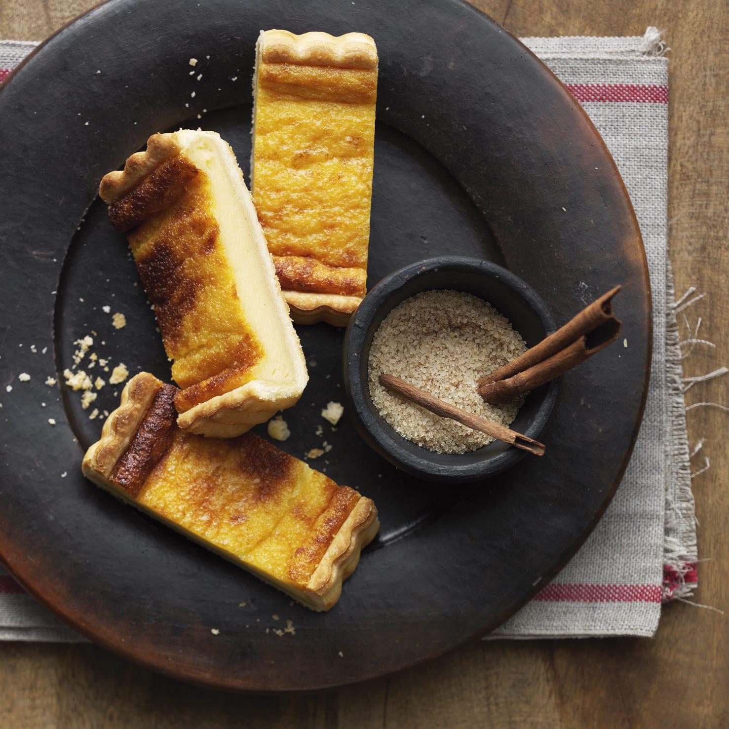 Gâteau à la crème et sucre aux épices