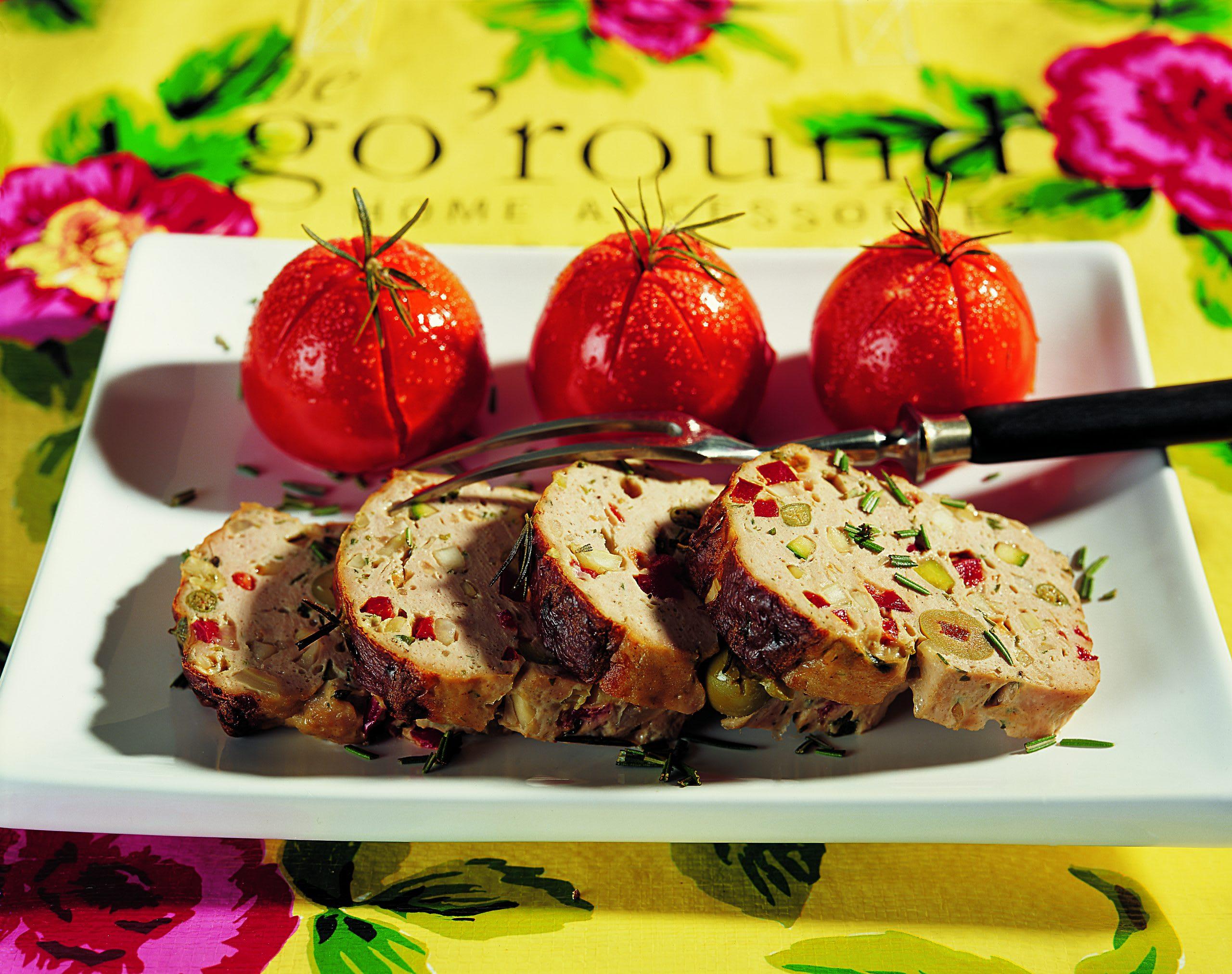 Ratatouille-Fleischkäse mit Rosmarintomaten