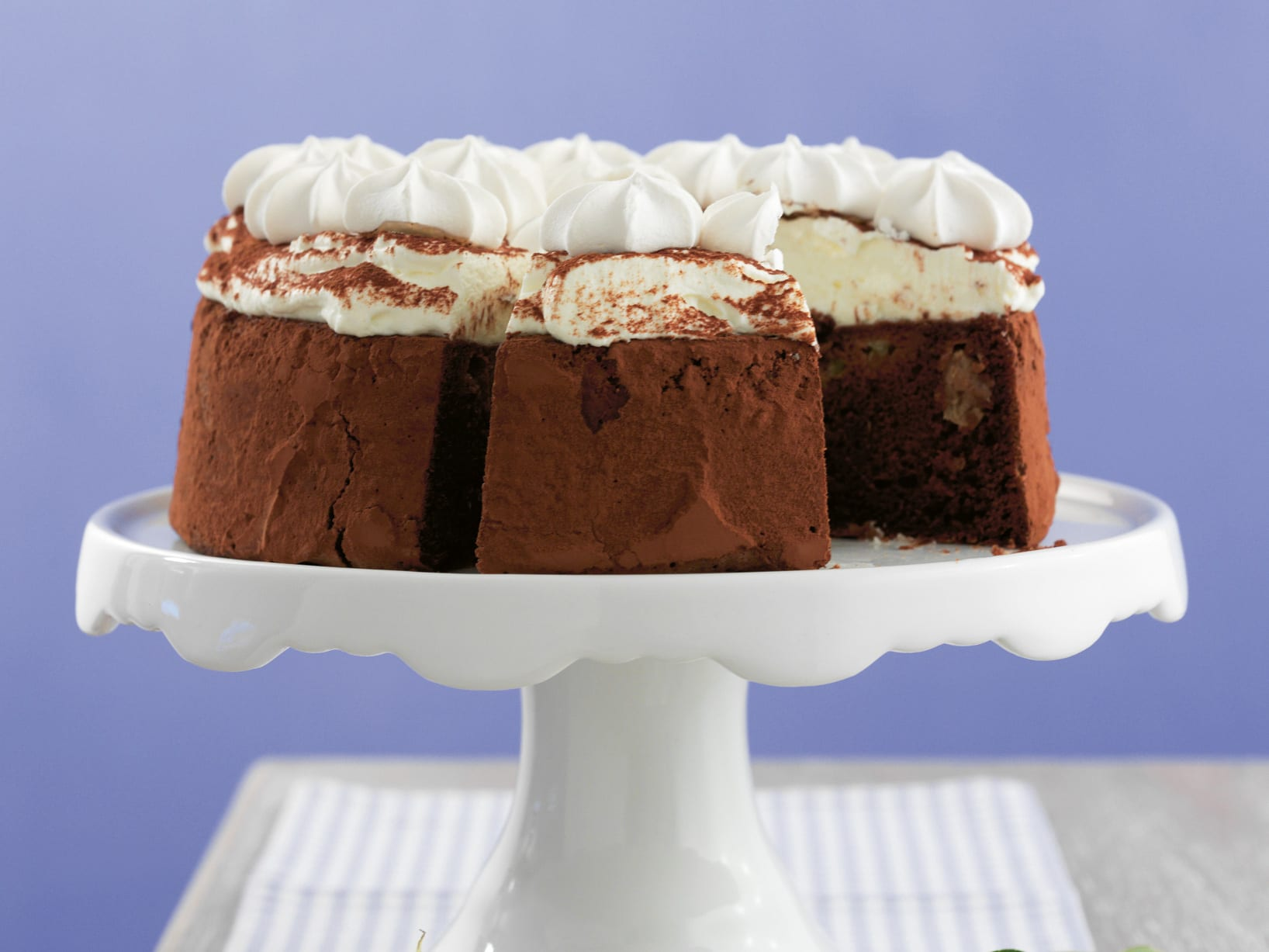 Gâteau chocolat-rhubarbe meringué