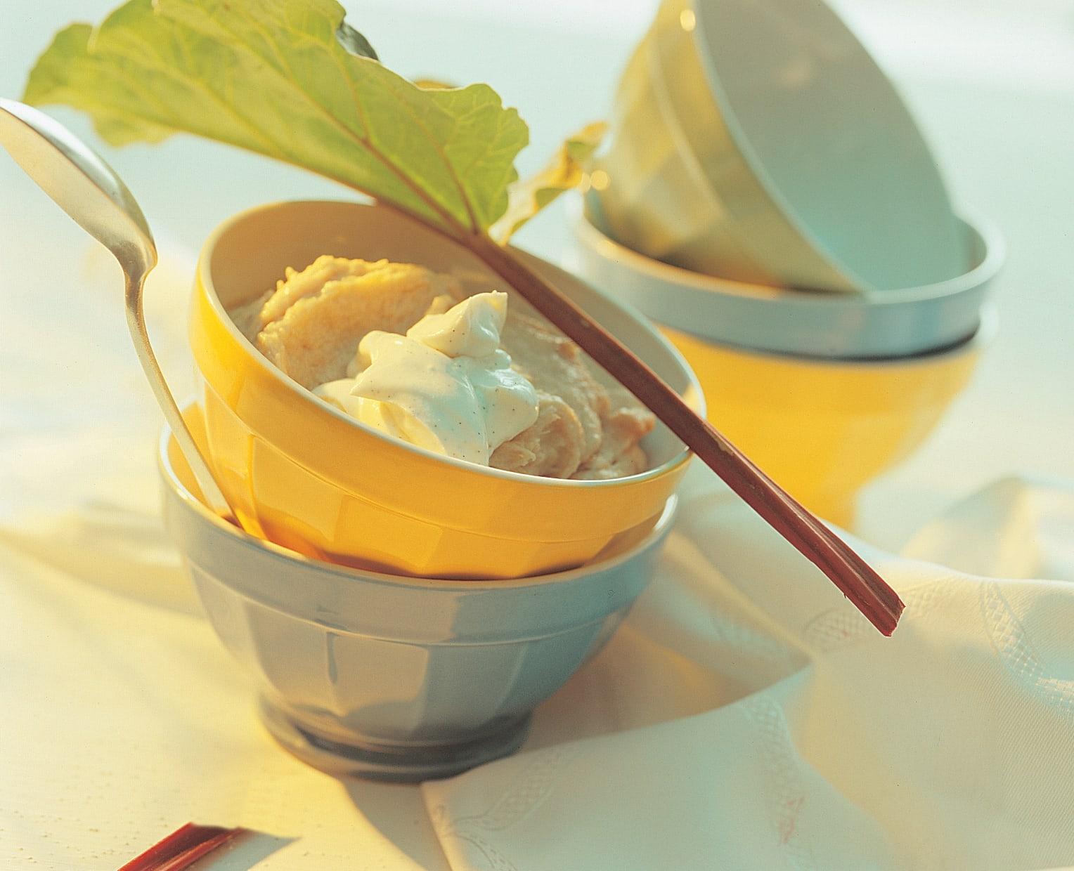 Rhubarbe au gruau et au séré vanillé