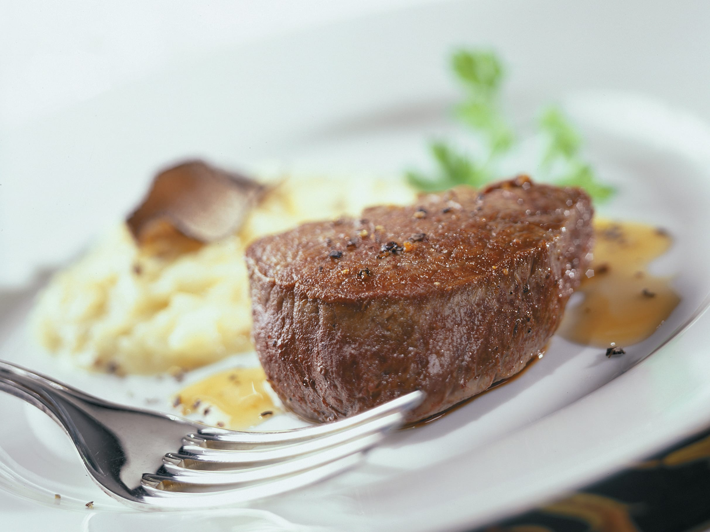 Rindsfilet-Medaillons an Portwein mit Trüffelrisotto