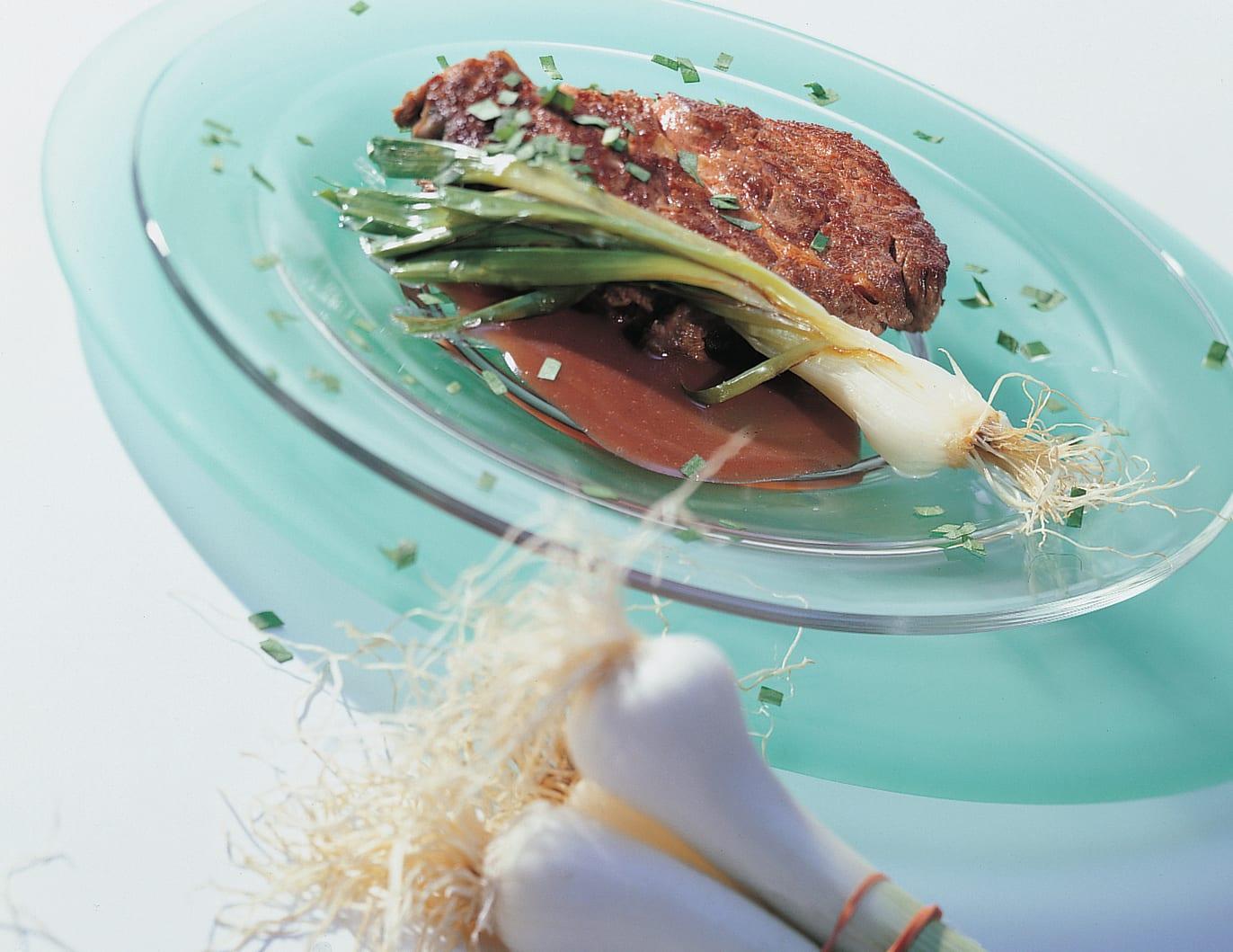 Rindshohrücken-Steaks an Bärlauch-Ingwer-Sauce