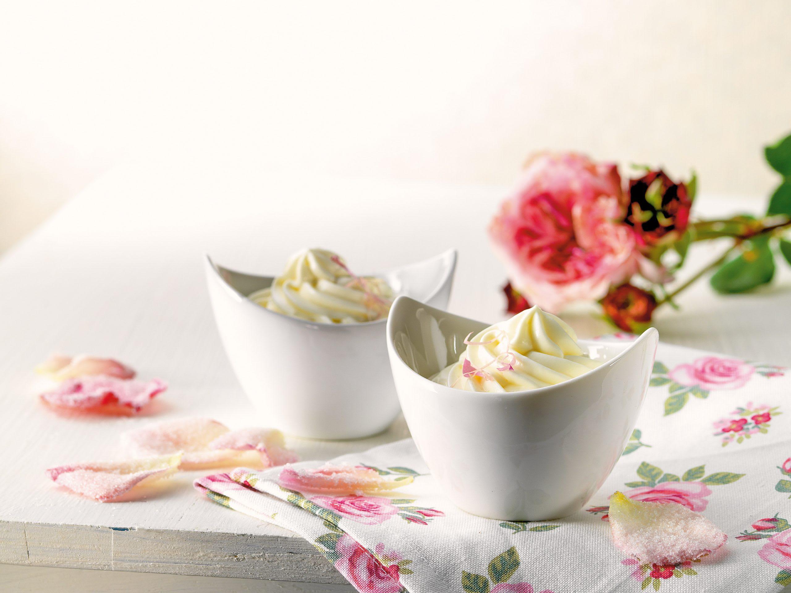 Rosen-Joghurt-Mousse