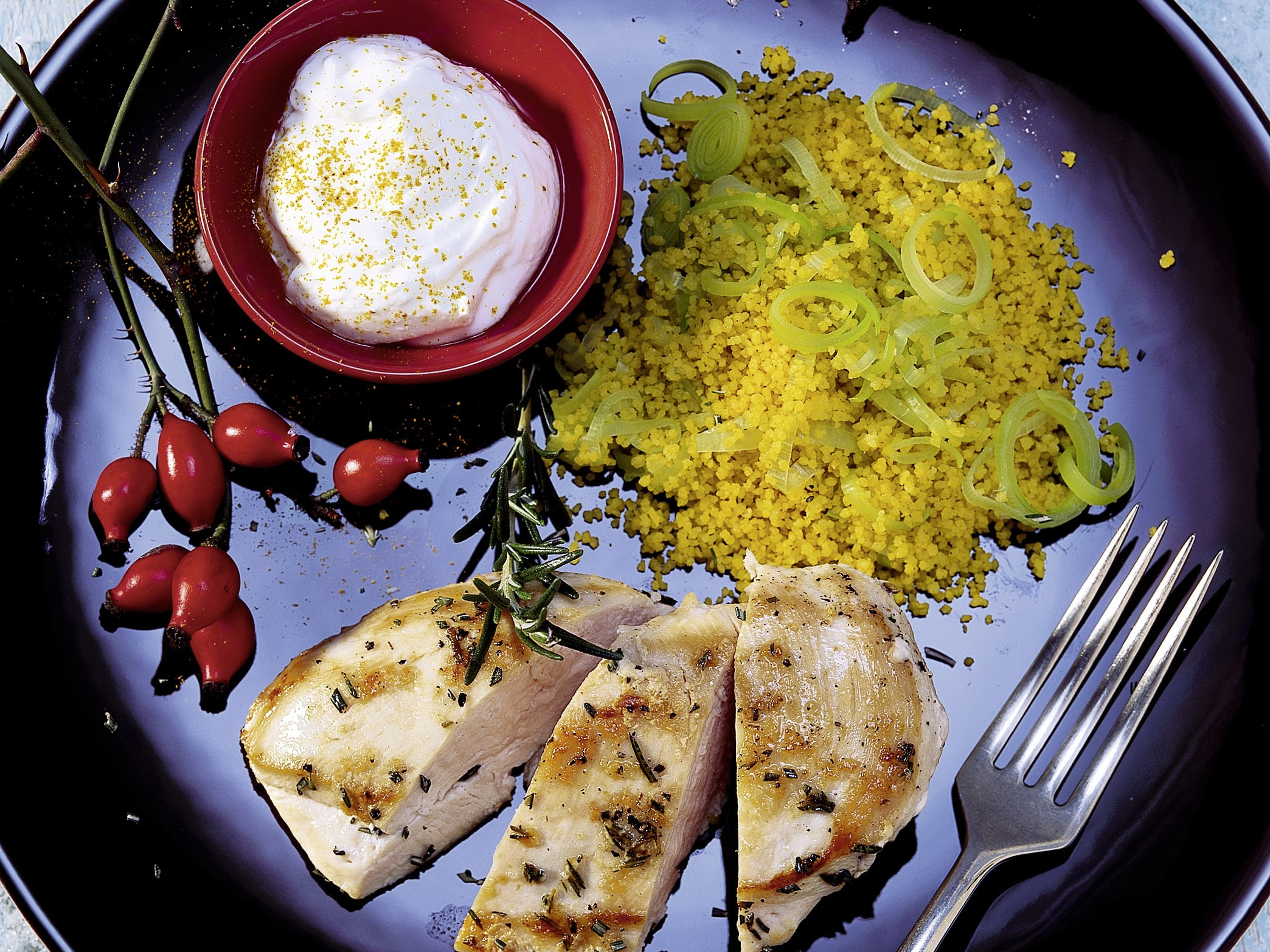 Poulet au romarin et couscous de poireaux