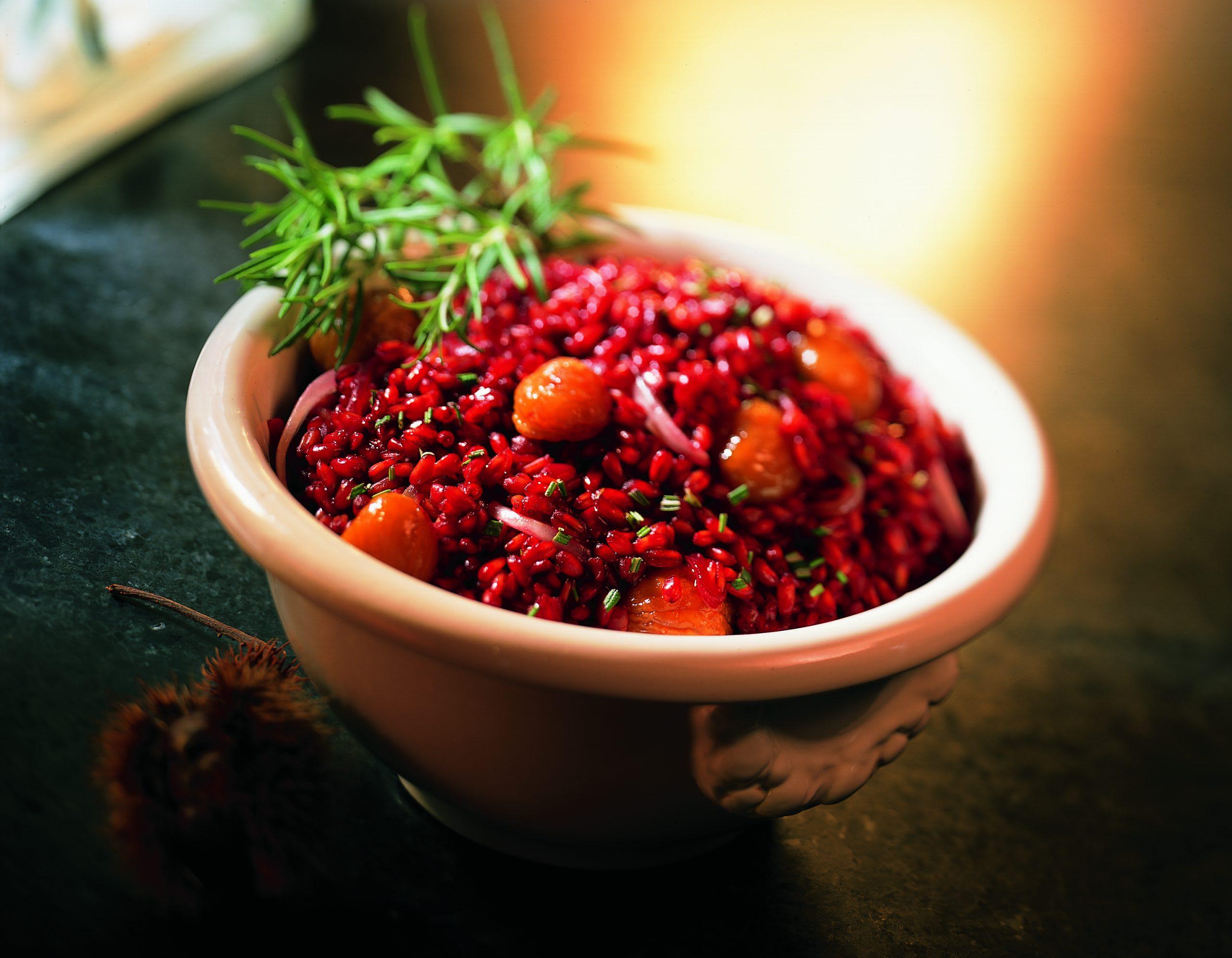 Roter Dinkel-Risotto mit Rosmarin und caramelisierten Marroni