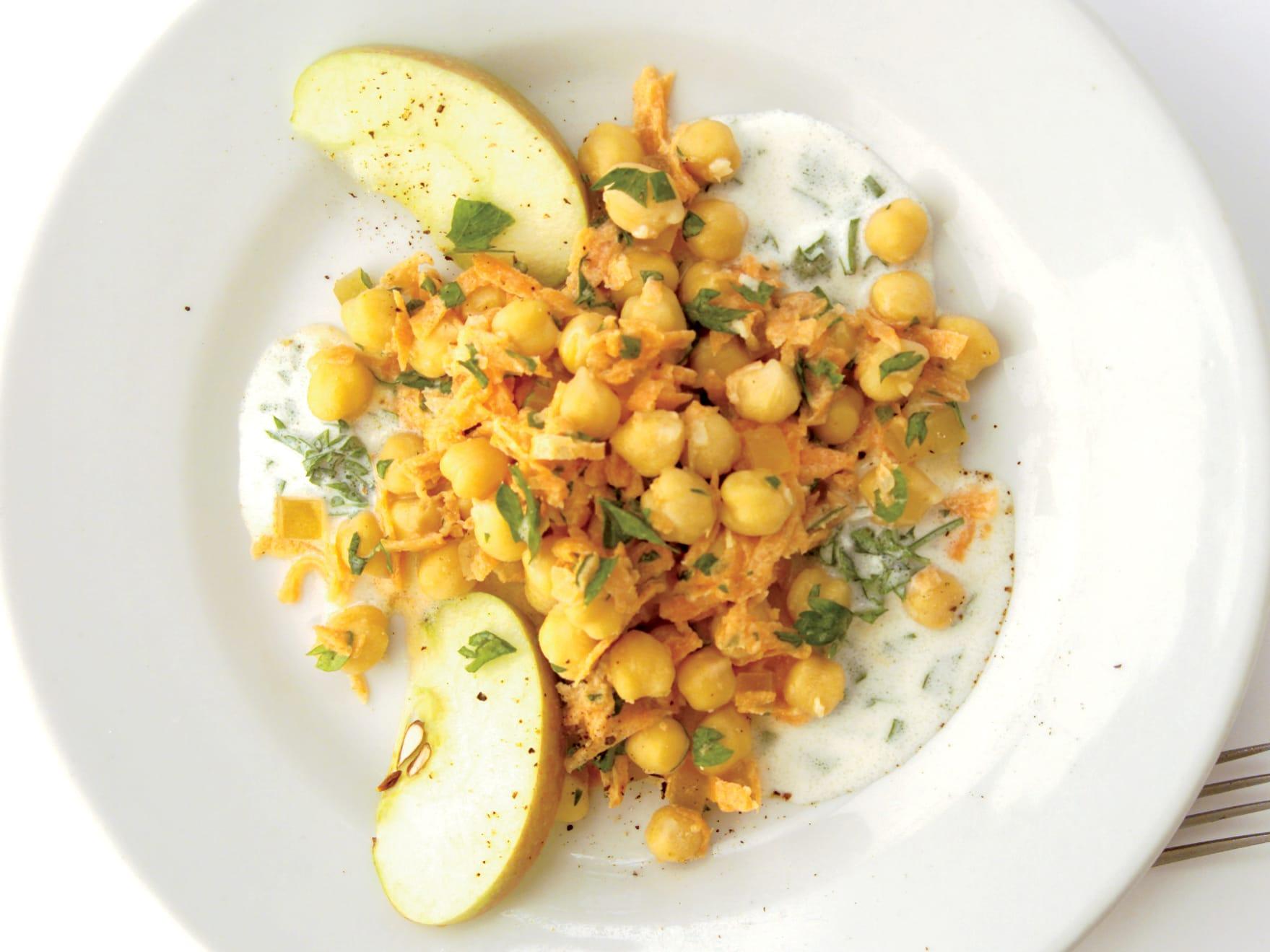 Rüebli-Kichererbsen-Salat mit kandiertem Ingwer