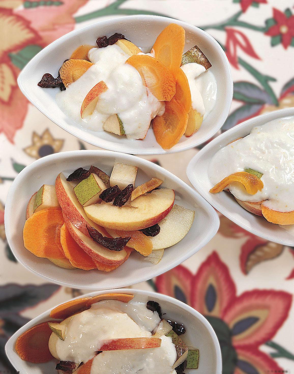 Rüeblifruchtsalat mit Joghurt (Low Carb)