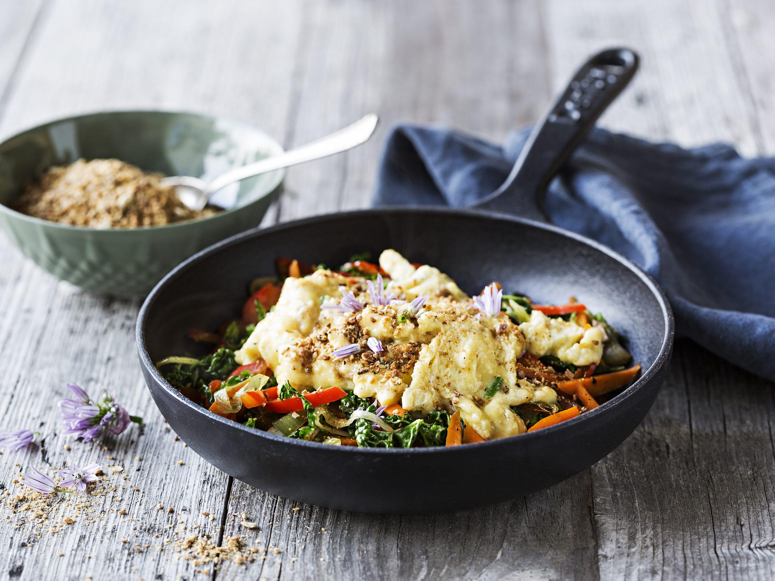 Oeufs brouillés, légumes et dukkah (low carb)