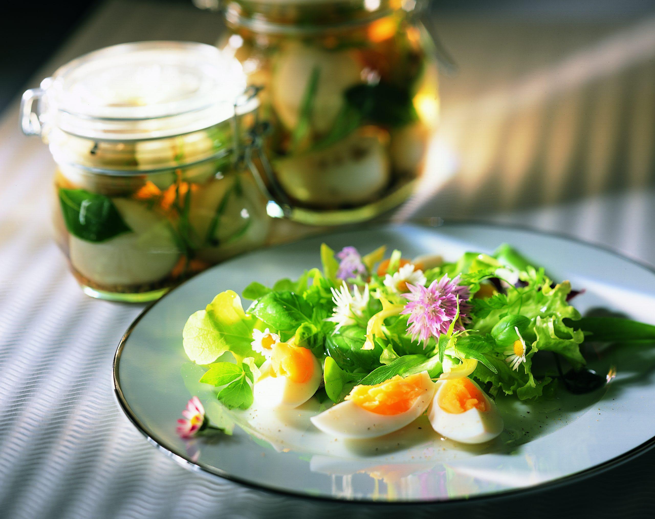 Salade d'oeufs durs à la diable