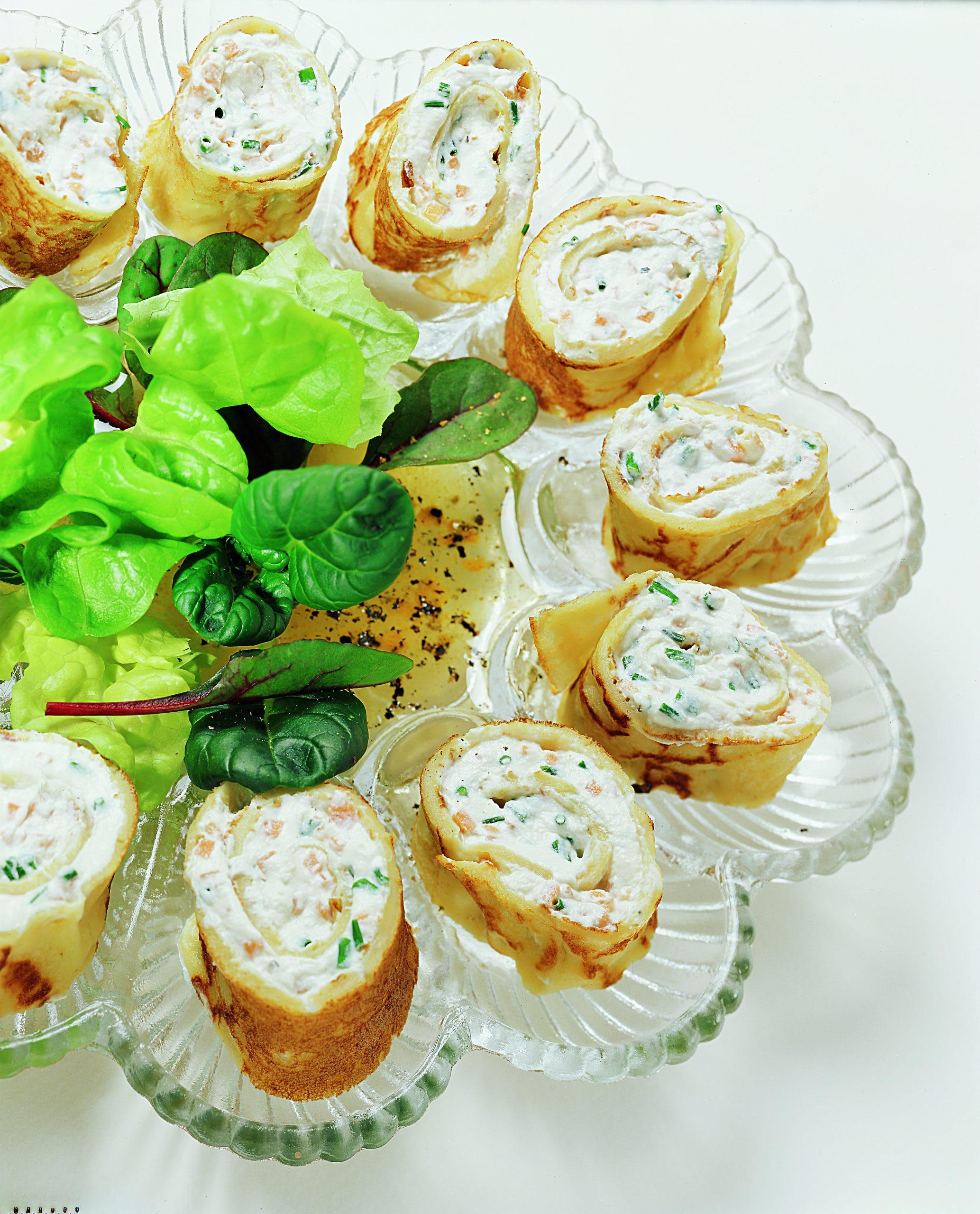 Salat mit Crêpes-Eiern