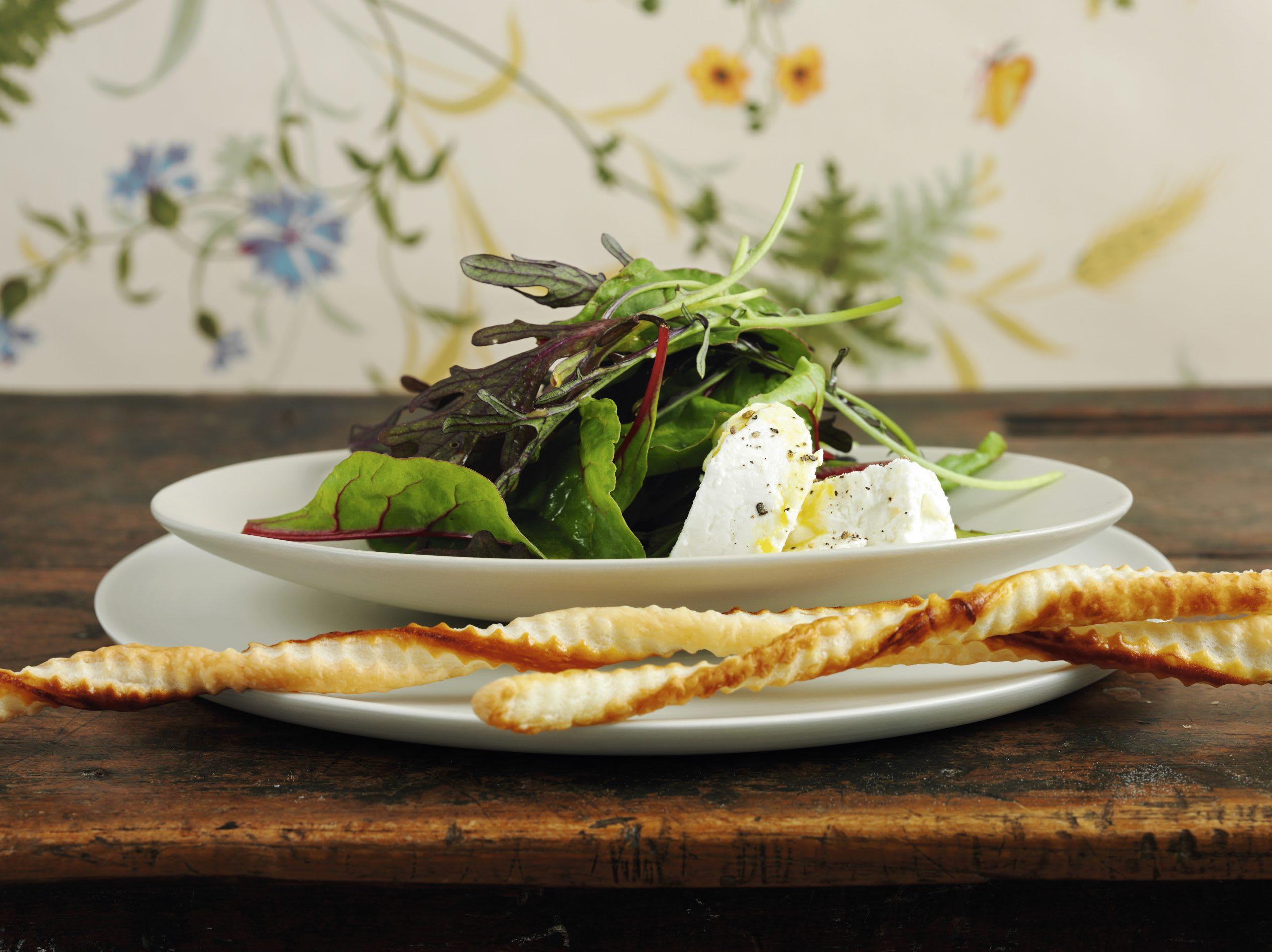 Salat mit Schaffrischkäse