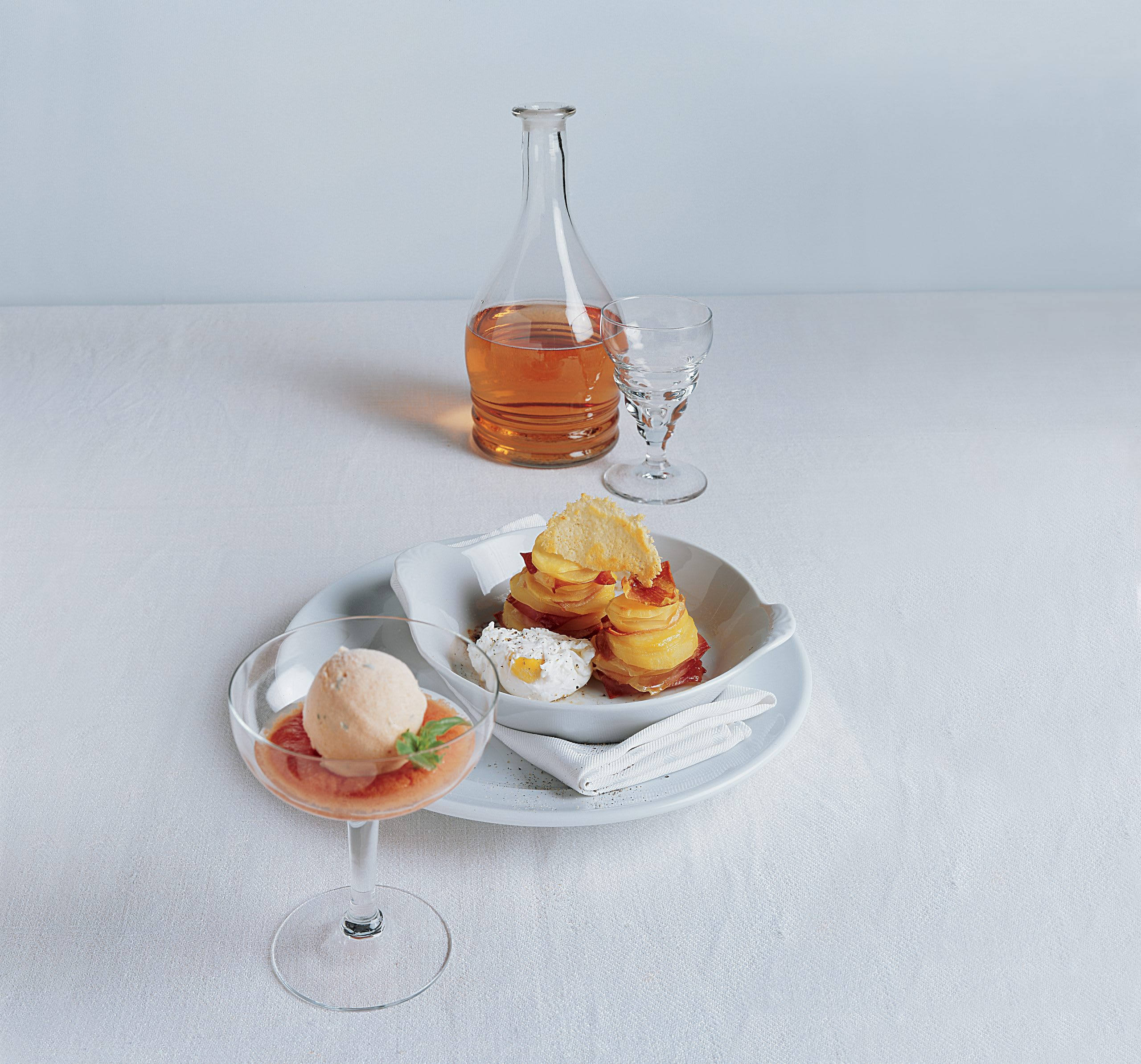 Salzige Tomatenglace mit Coulis
