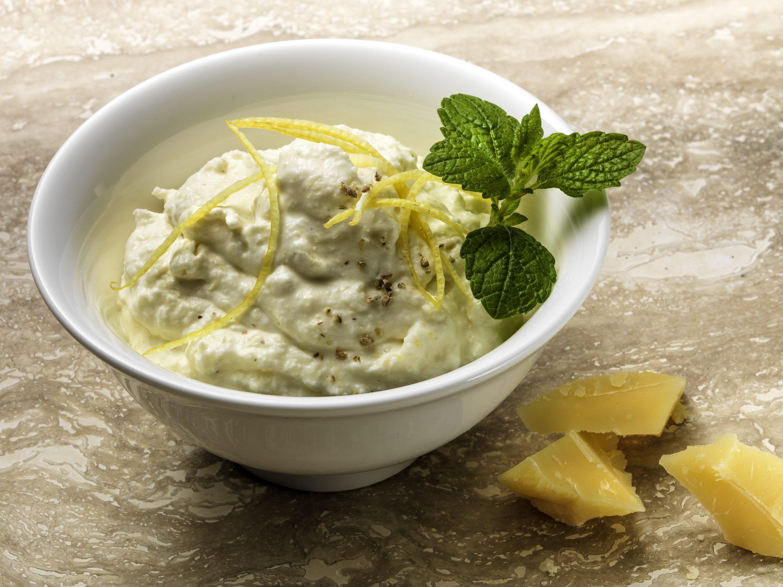 Sbrinz-Zitronen-Schaum (Fondue Chinoise oder Dip)